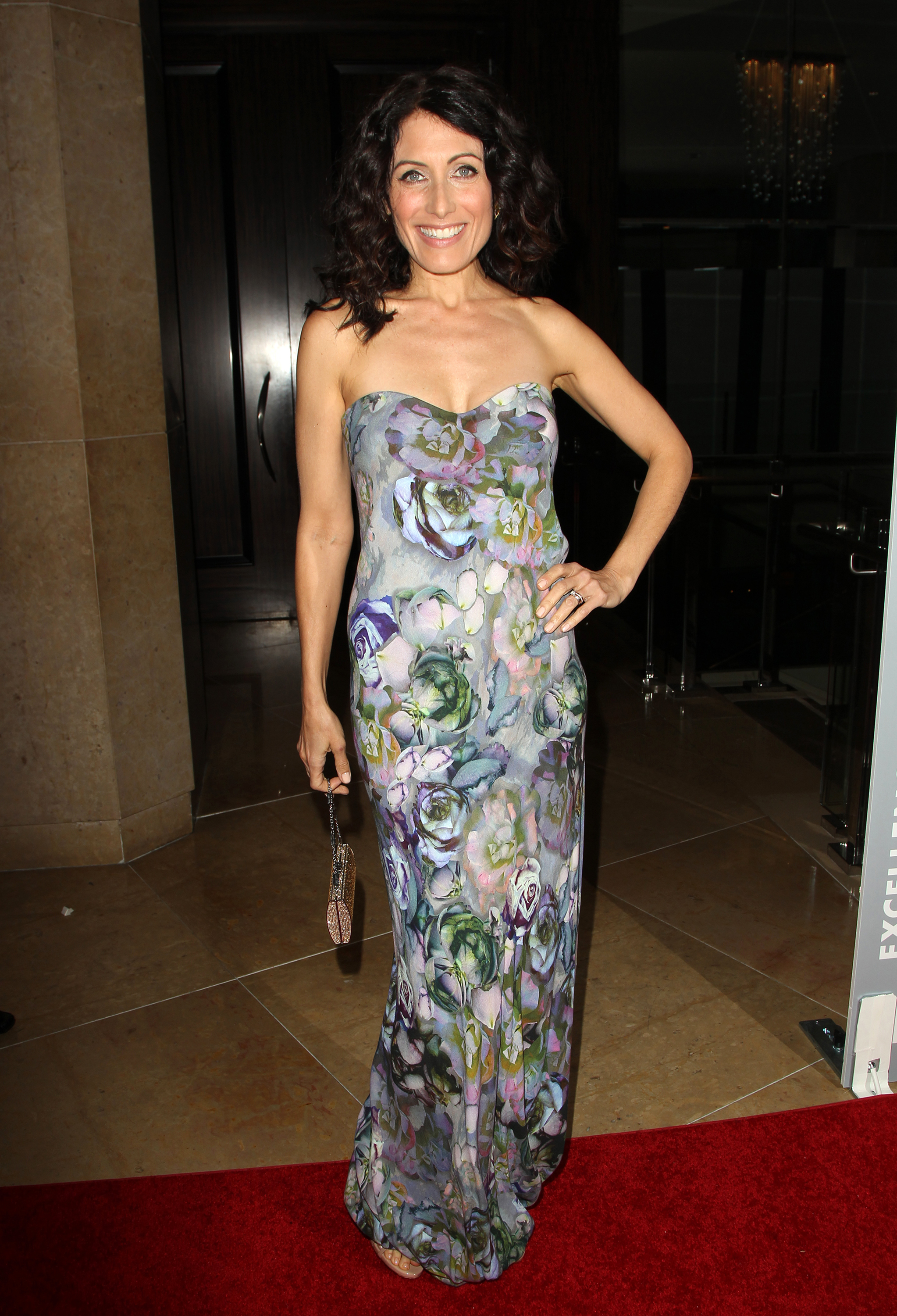"""Lisa Edelstein on the upcoming season of """"Girlfriends' Guide to Divorce"""":"""