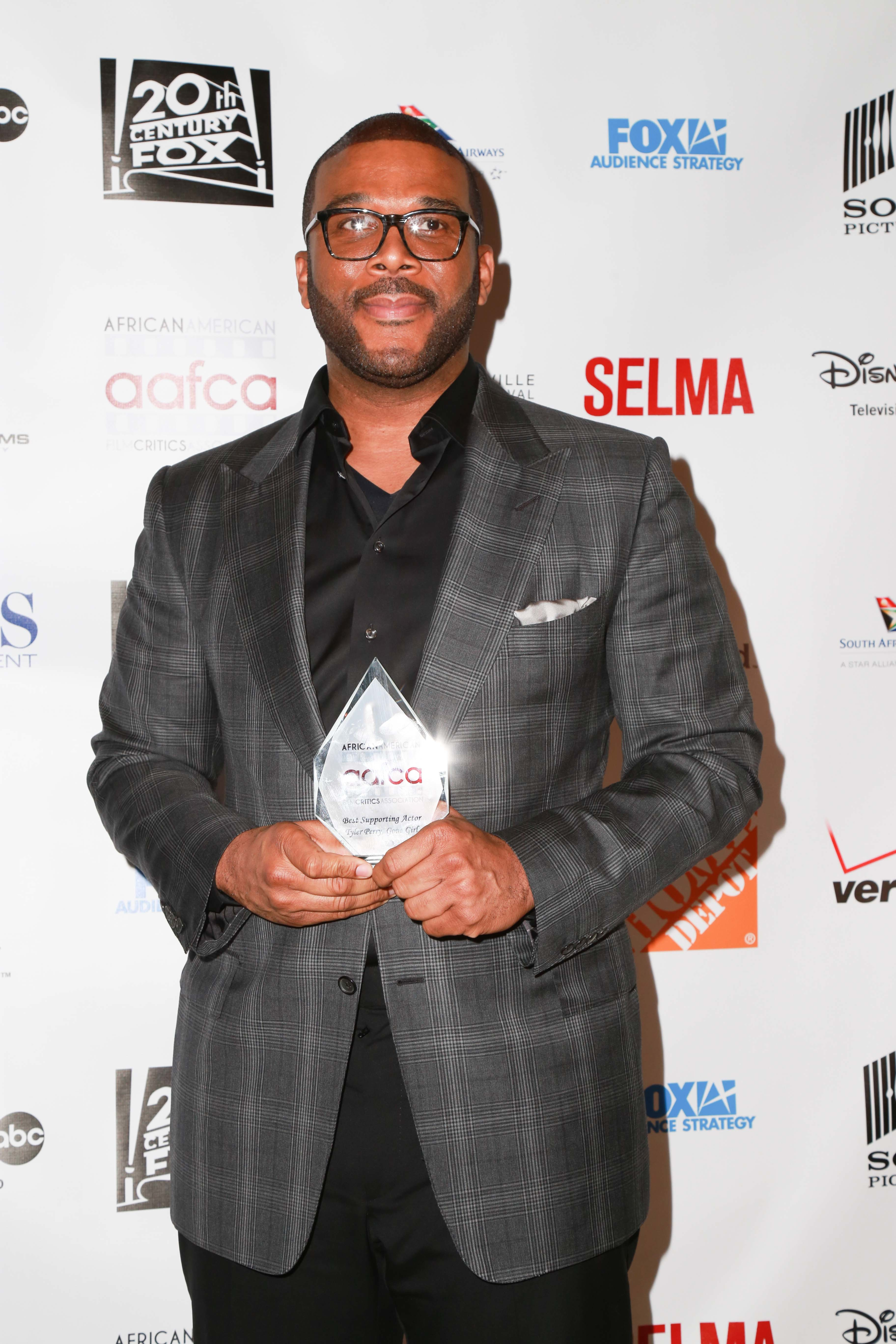 Fire destroys Tyler Perry's father's home