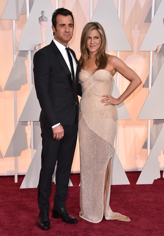 Happy anniversary, Jennifer Aniston and Justin Theroux!