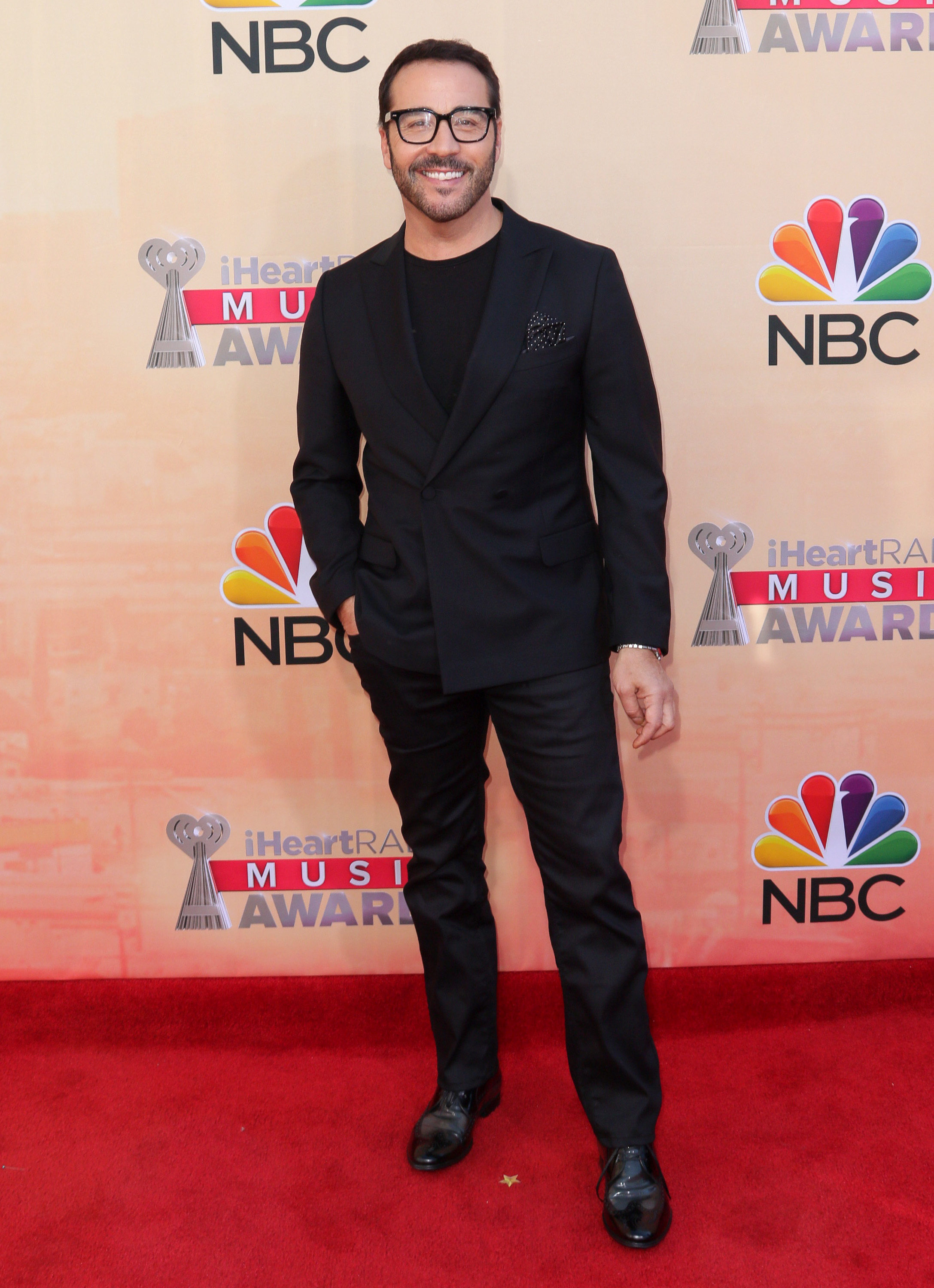 Jeremy Piven accused of creeping out his ex