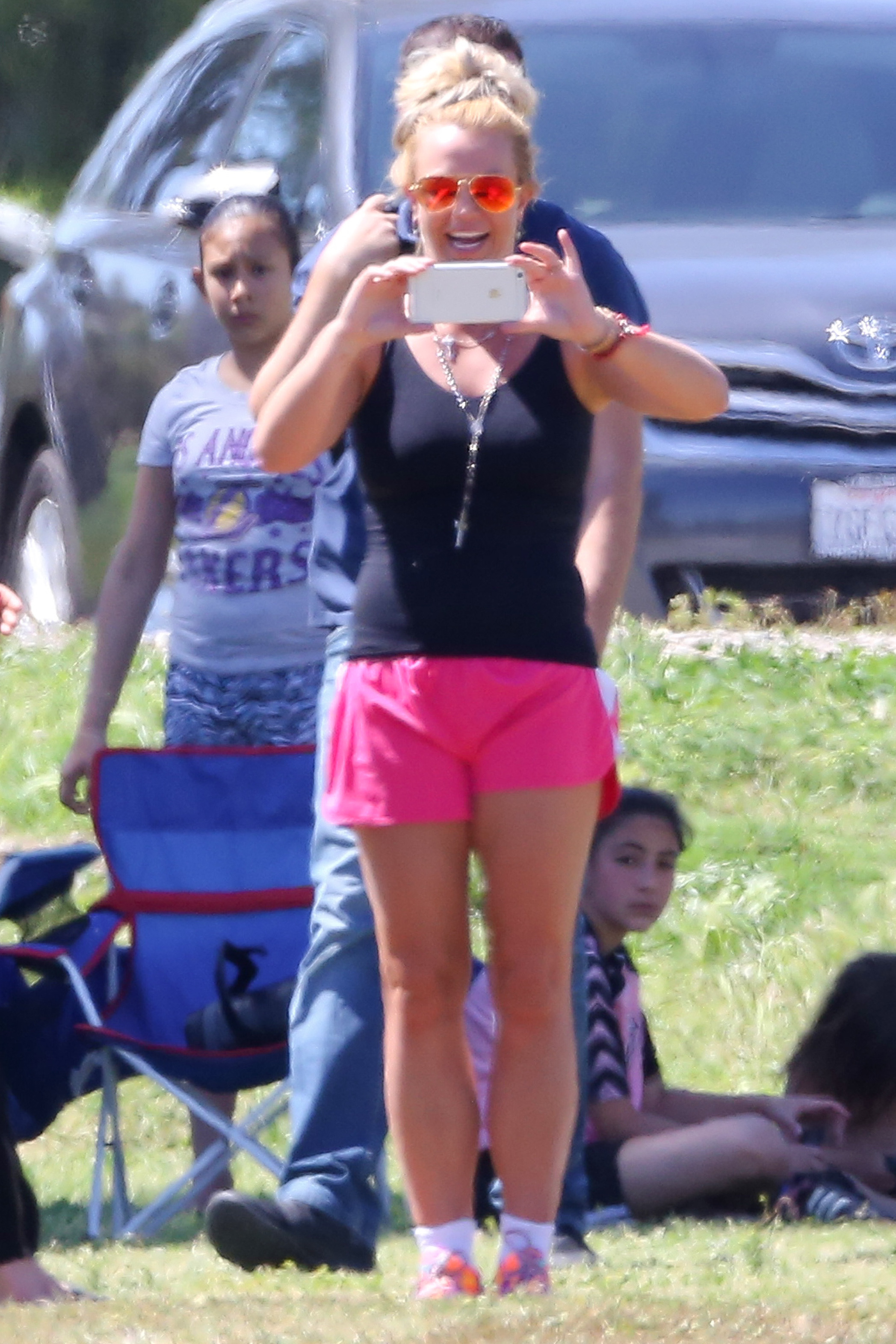Britney Spears plays soccer mom at Jayden's game