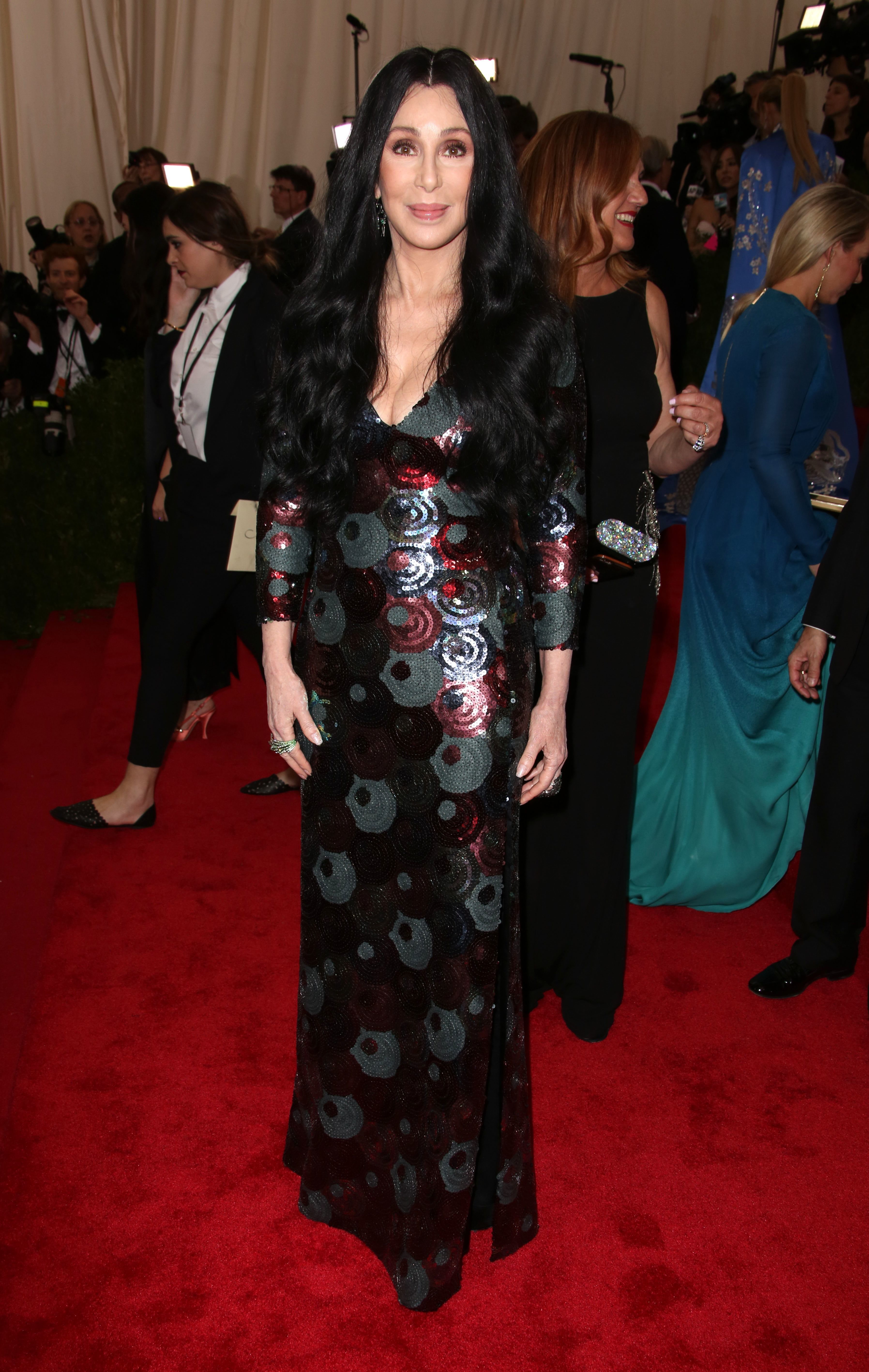 Cher survives potentially deadly virus