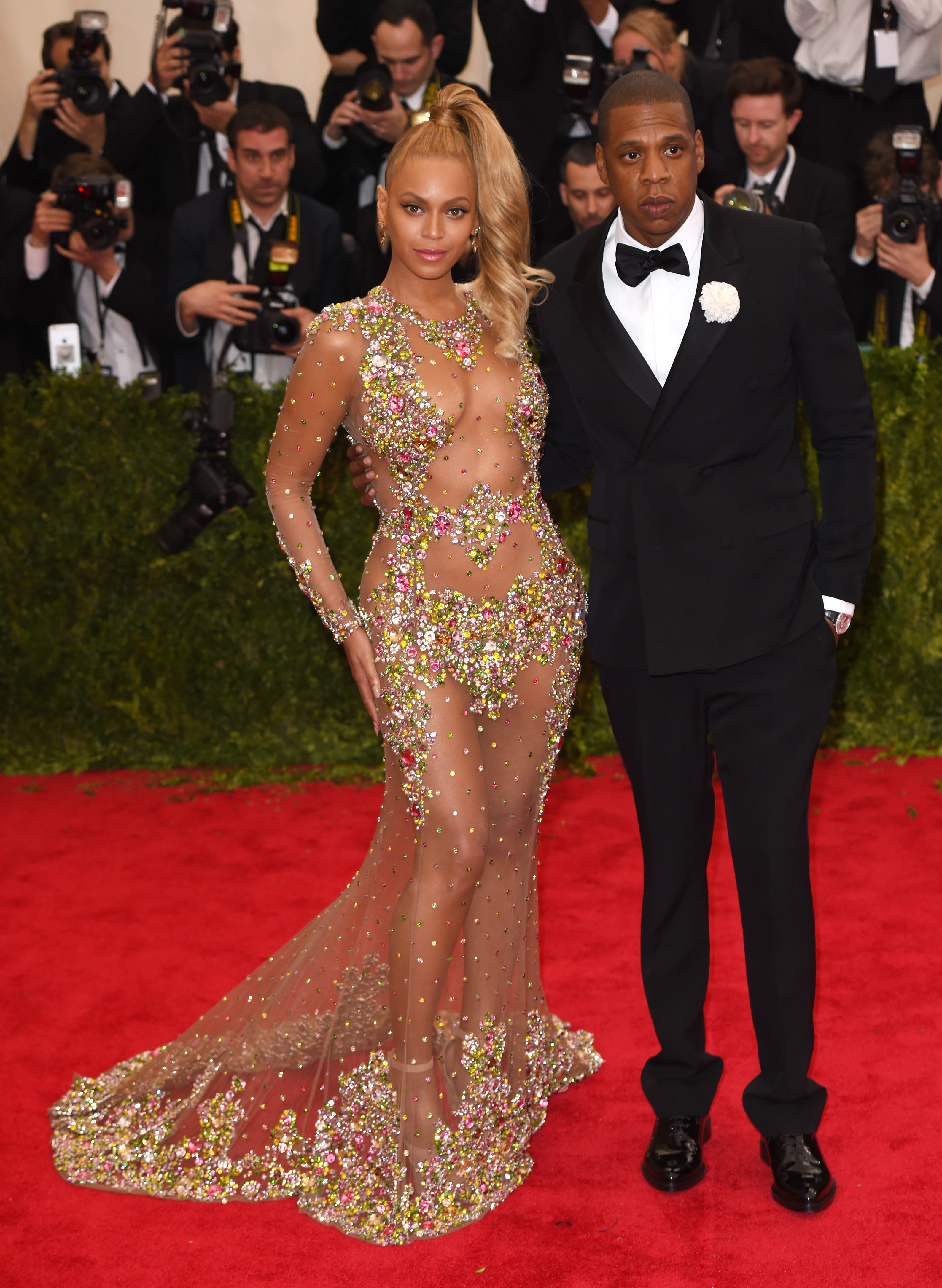 Beyonce and Jay Z overshadow famous artwork in Florence