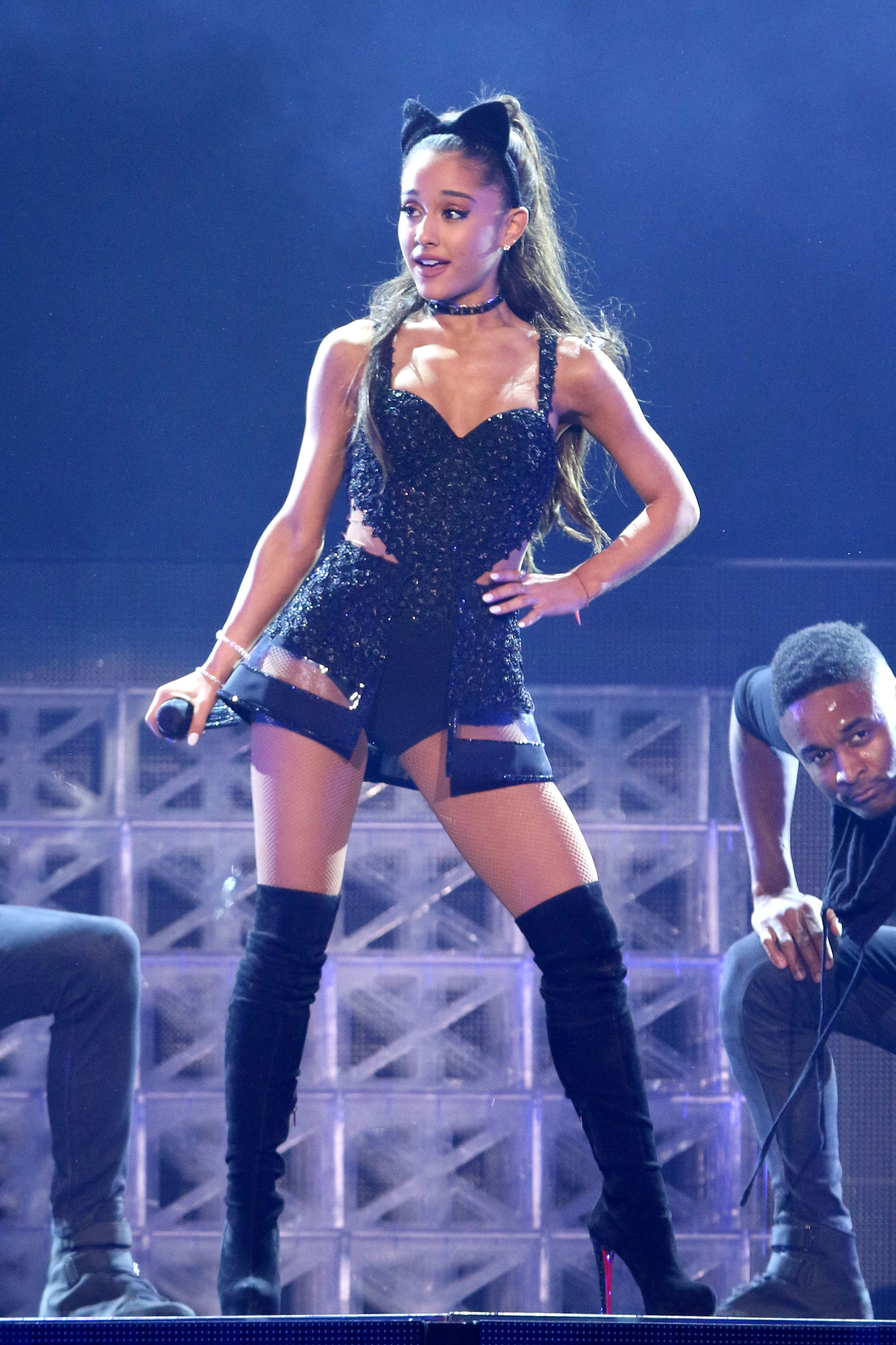 Arian Grande stands up to radio DJs over their questions