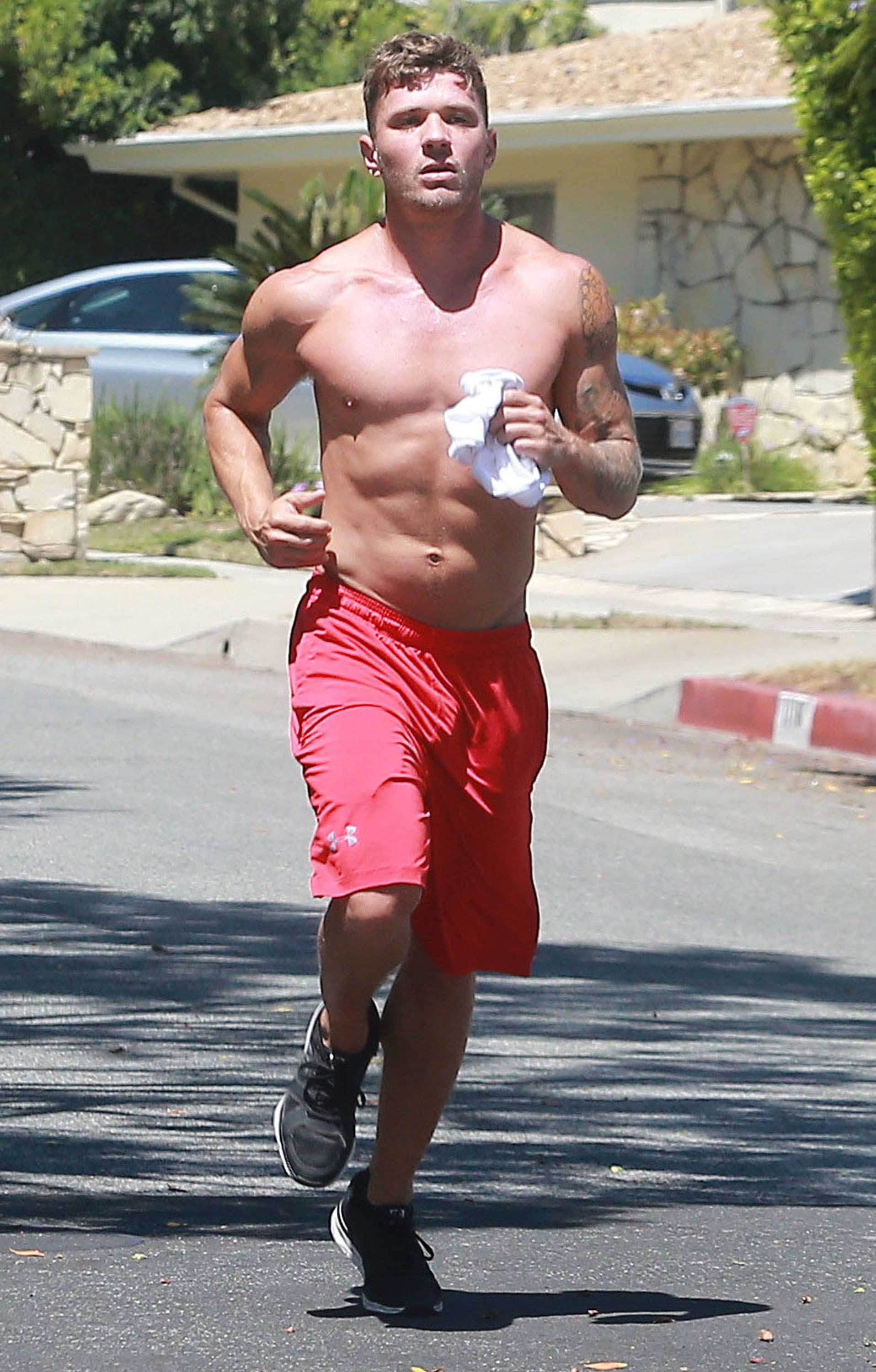 Yes please ryan phillippe shows off his six pack abs while ryan phillippe jog ccuart Choice Image