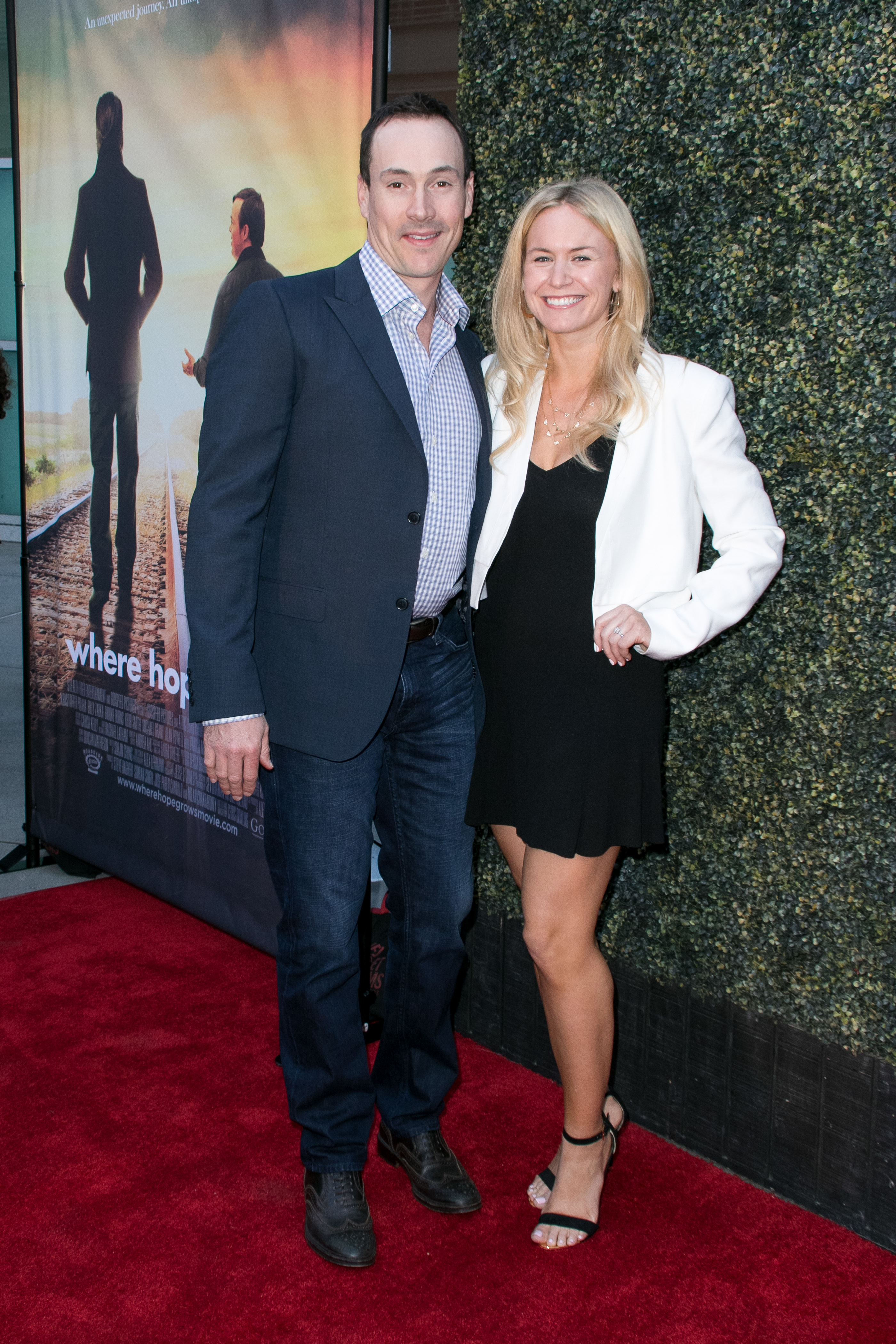 Chris Klein is going to be a dad