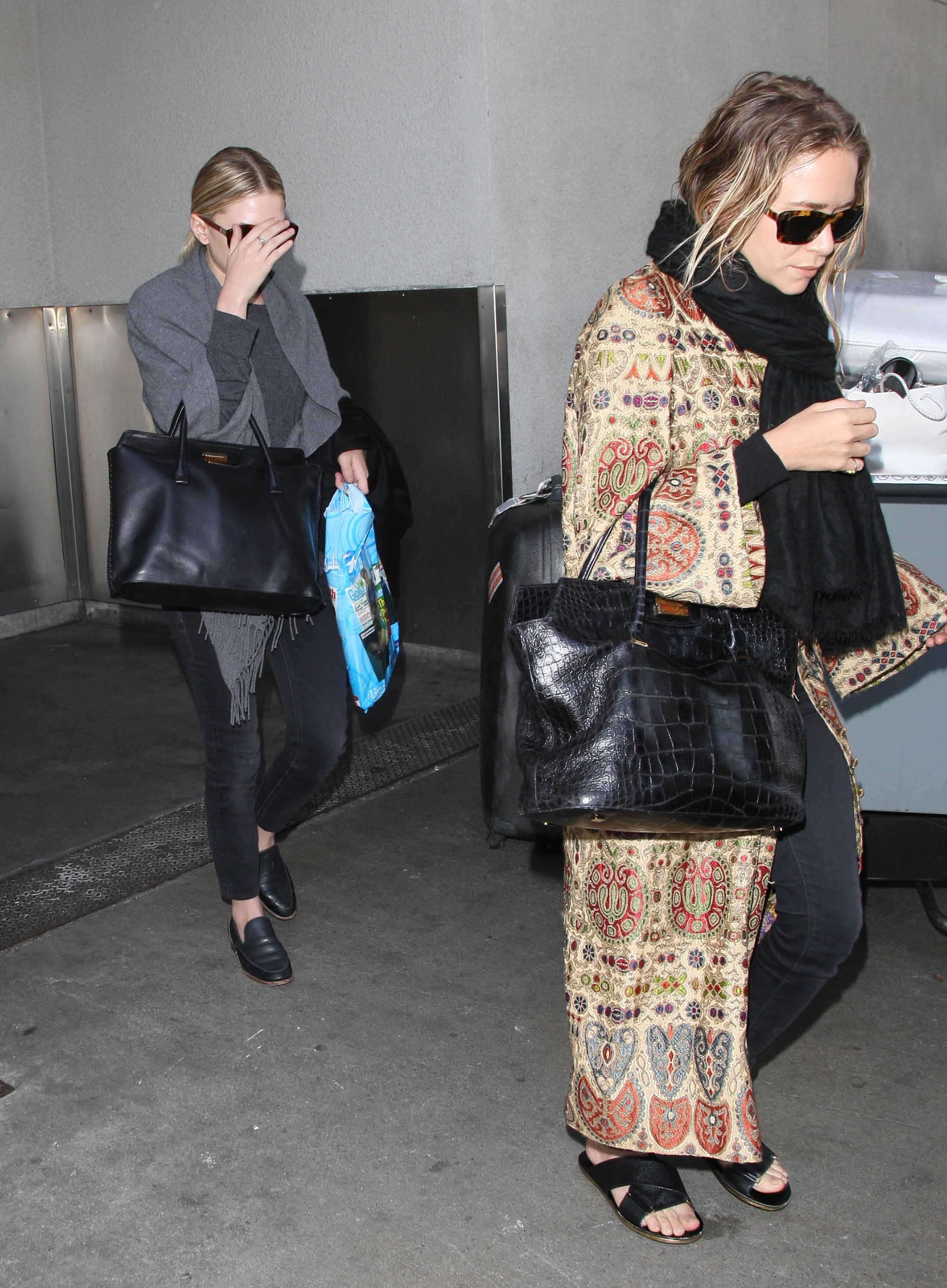 Behold the 'Olsen Twins Hiding From the Paparazzi' museum exhibit plan