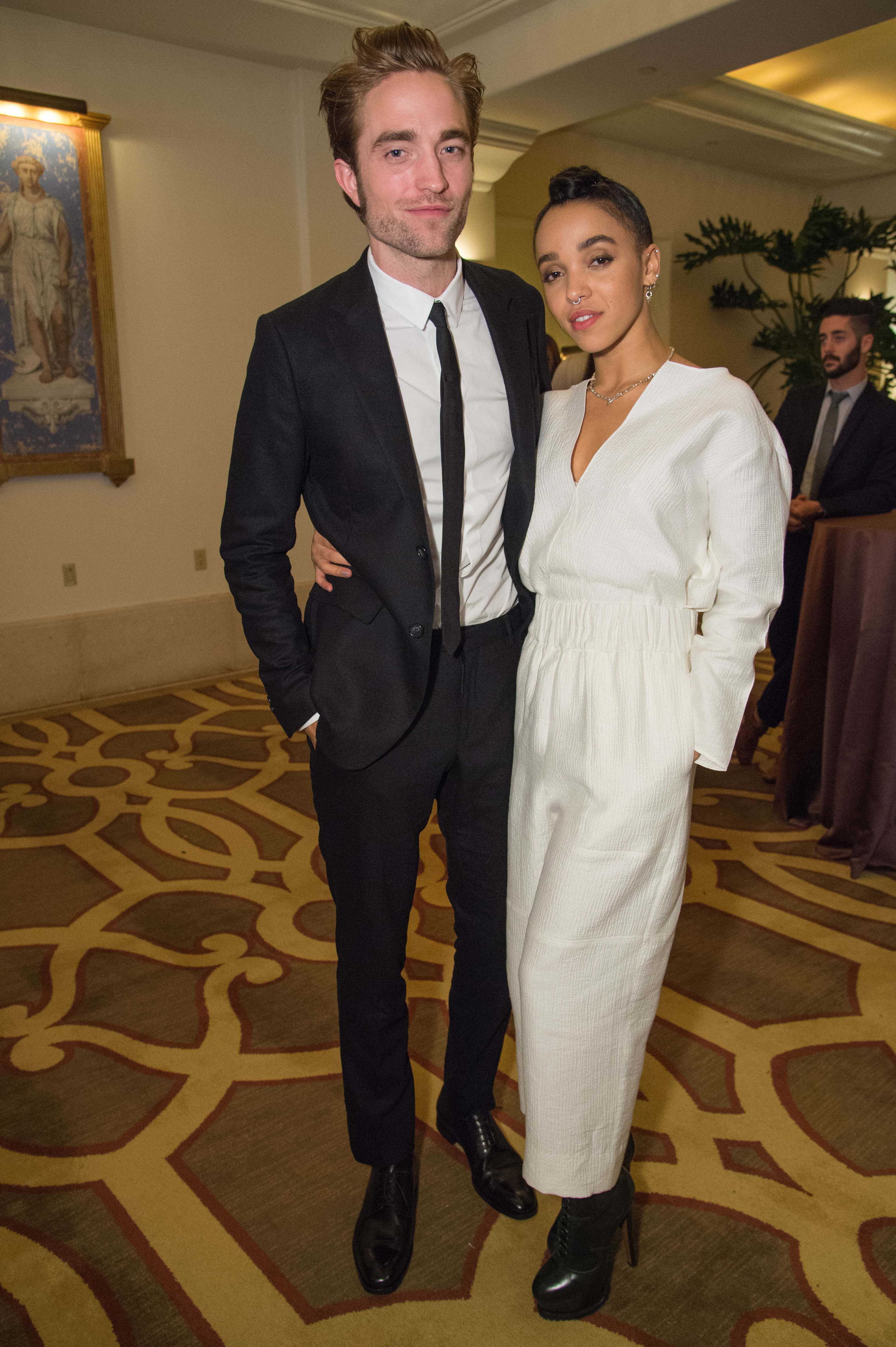 Robert Pattinson and FKA Twigs are not calling off their engagement