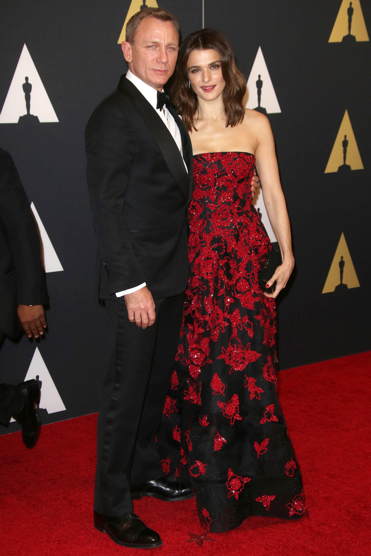 Daniel Craig cheers for Rachel Weisz at play