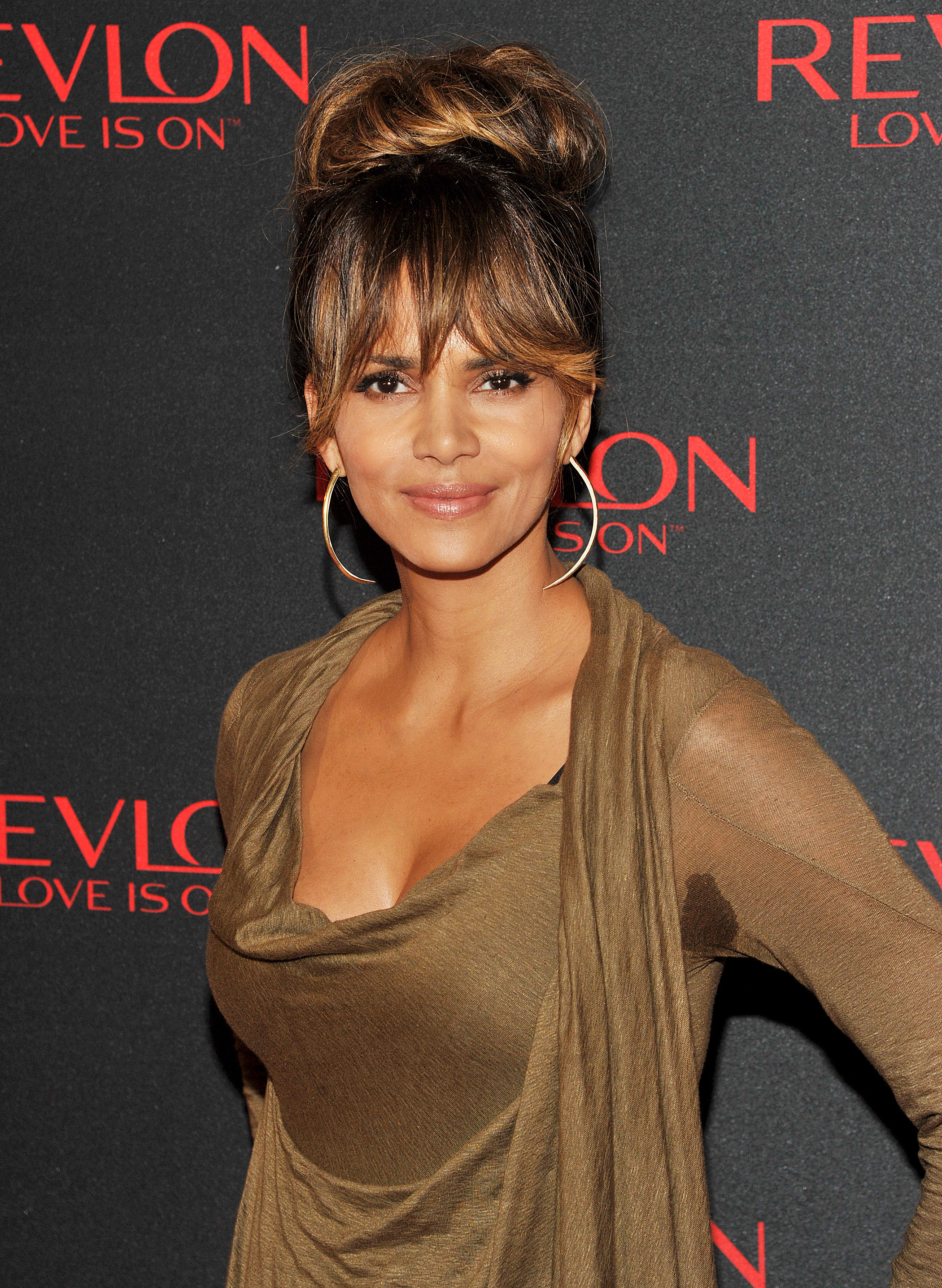 halle berry sweat