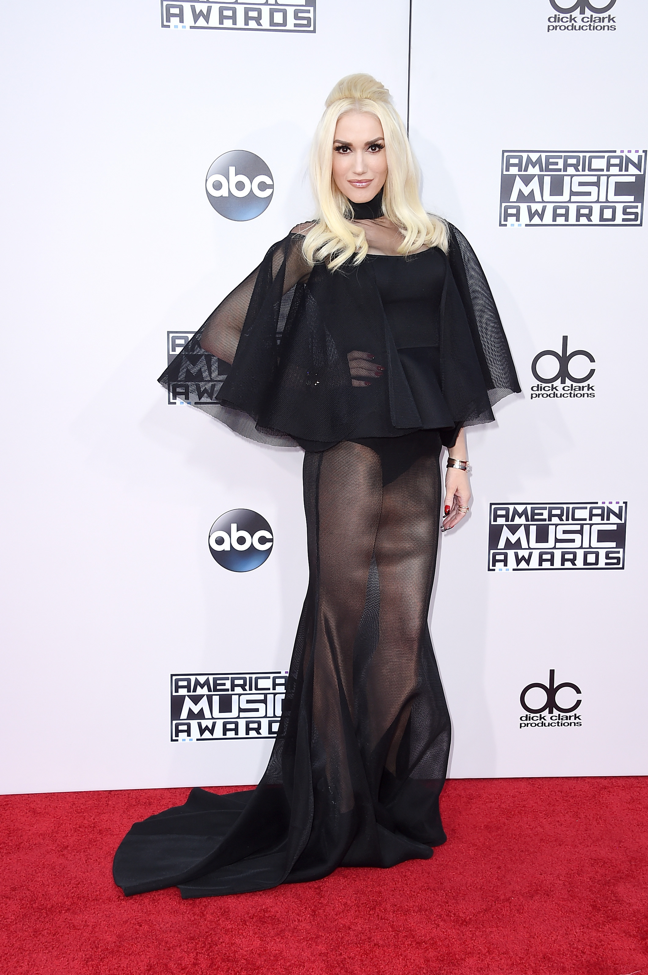 7ce7949e177 Most memorable American Music Awards fashion over the years ...