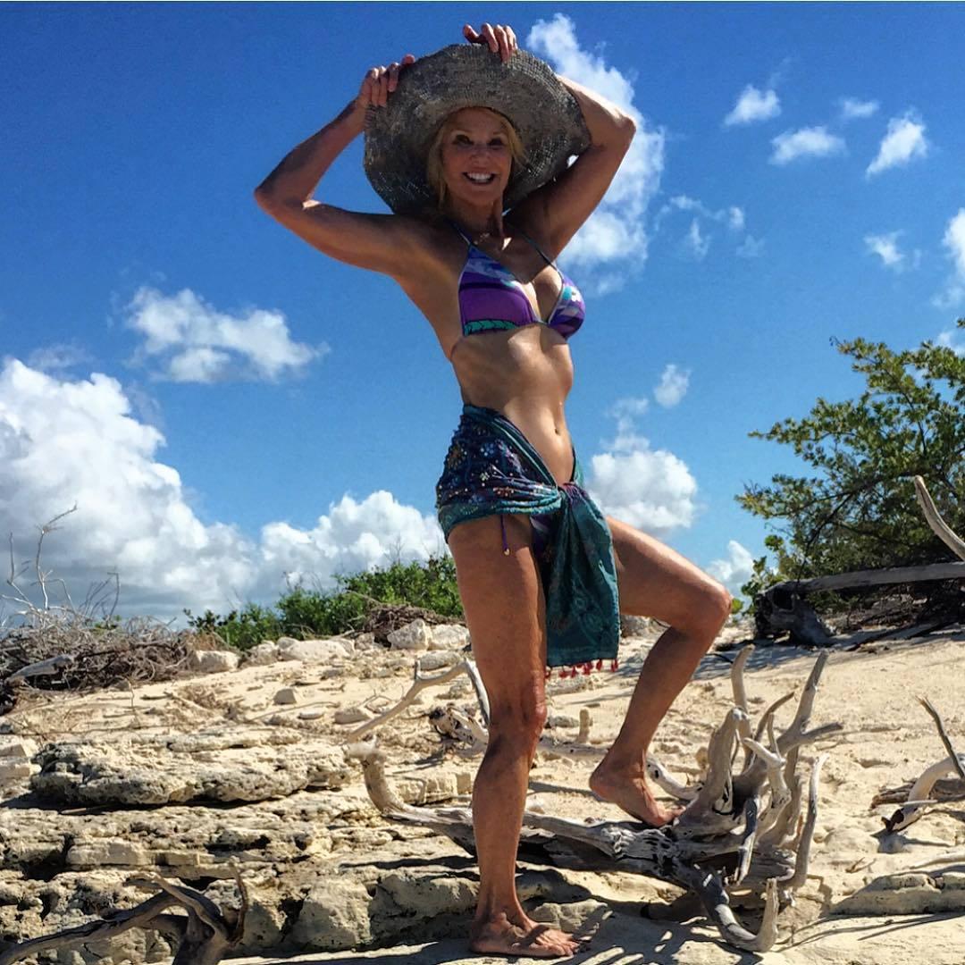 christie brinkley bikini