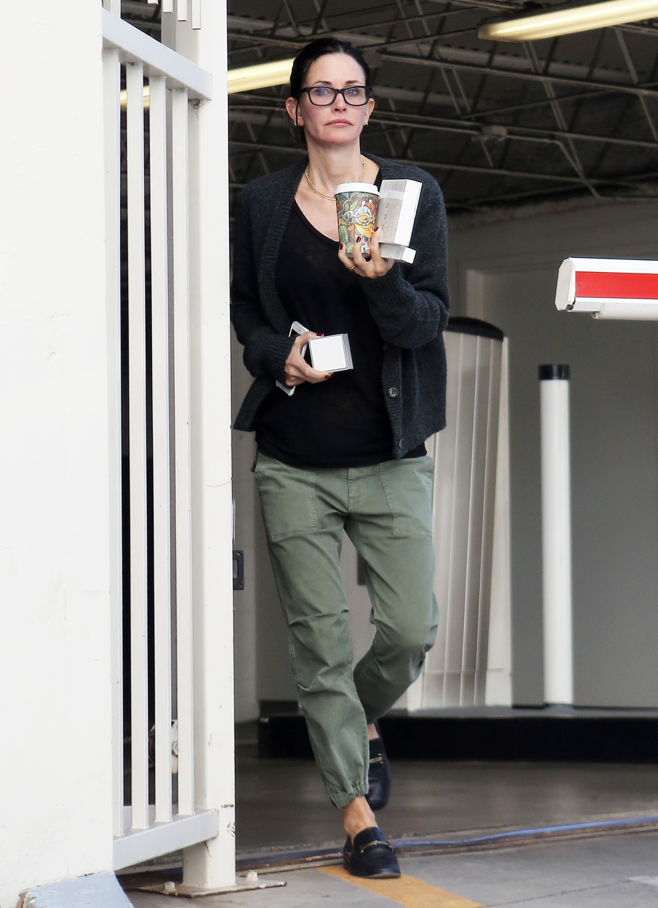 Is that an engagement ring on Courteney Cox's finger?