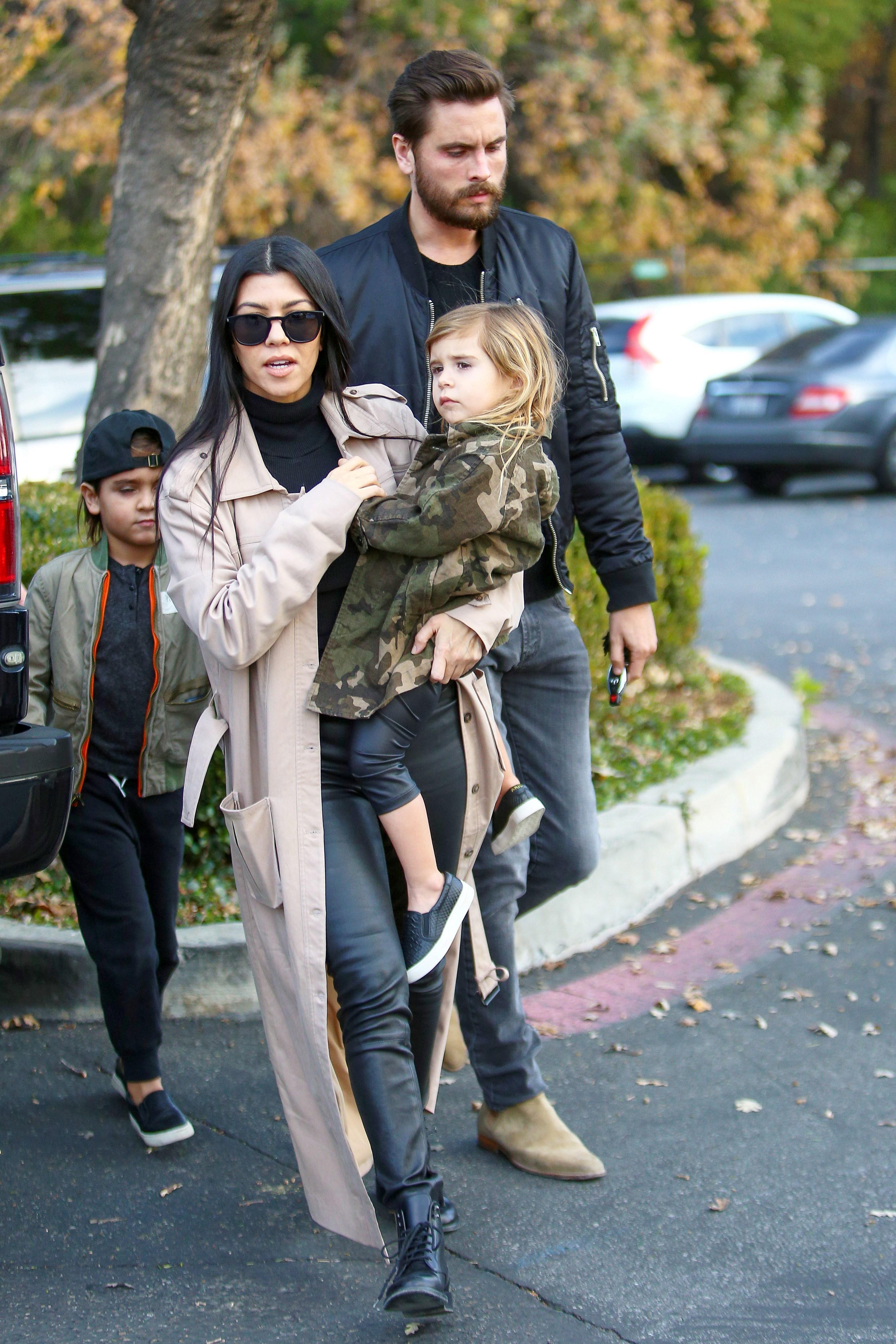 Kourtney Kardashian and Scott Disick look cozy while shopping