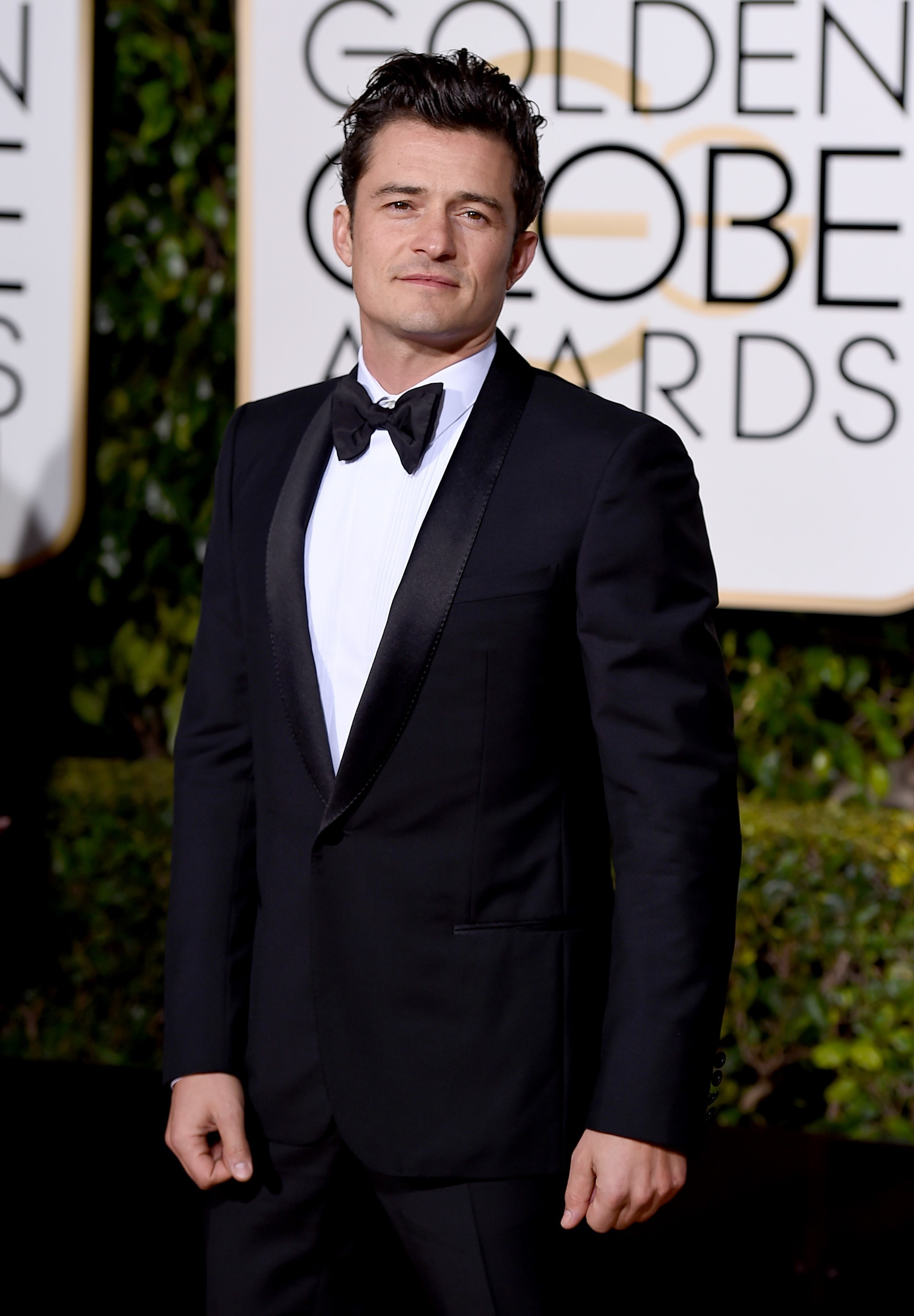 Orlando Bloom continues his awards show flirtations