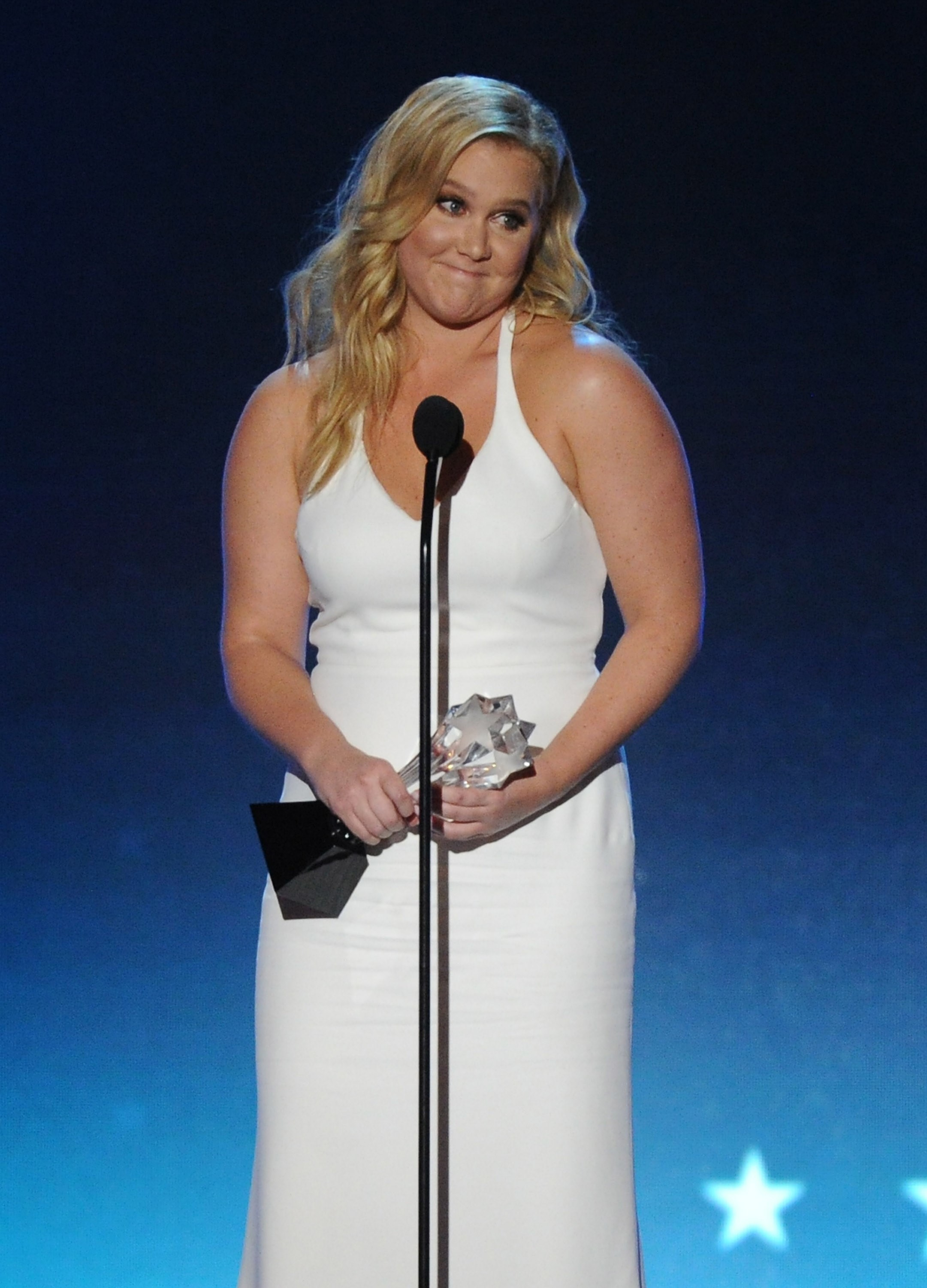 Amy Schumer to Glamour: Size 6 is not plus size