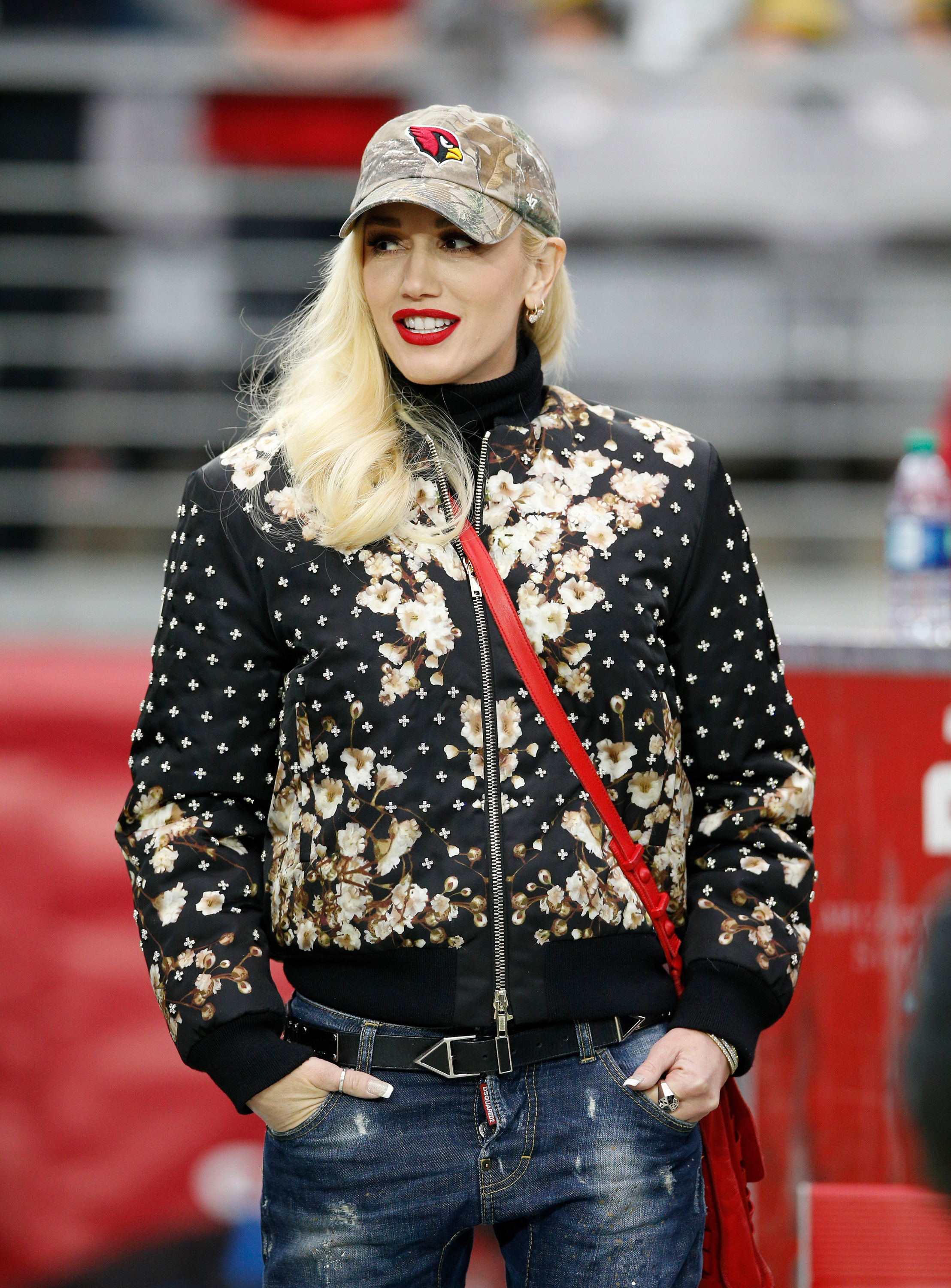 Gwen Stefani offers advice to young musicians