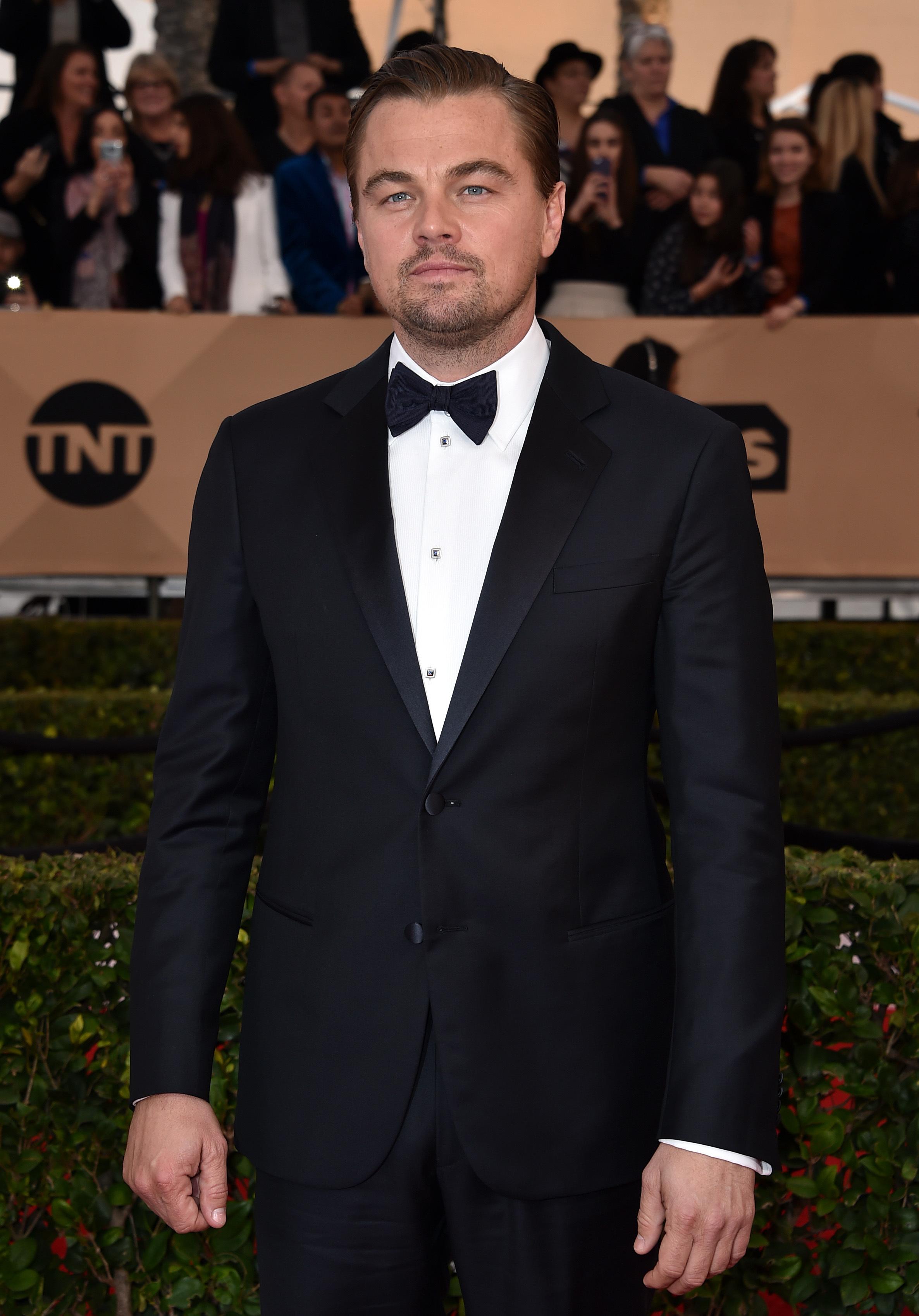 Leonardo DiCaprio slammed for vaping at SAG Awards