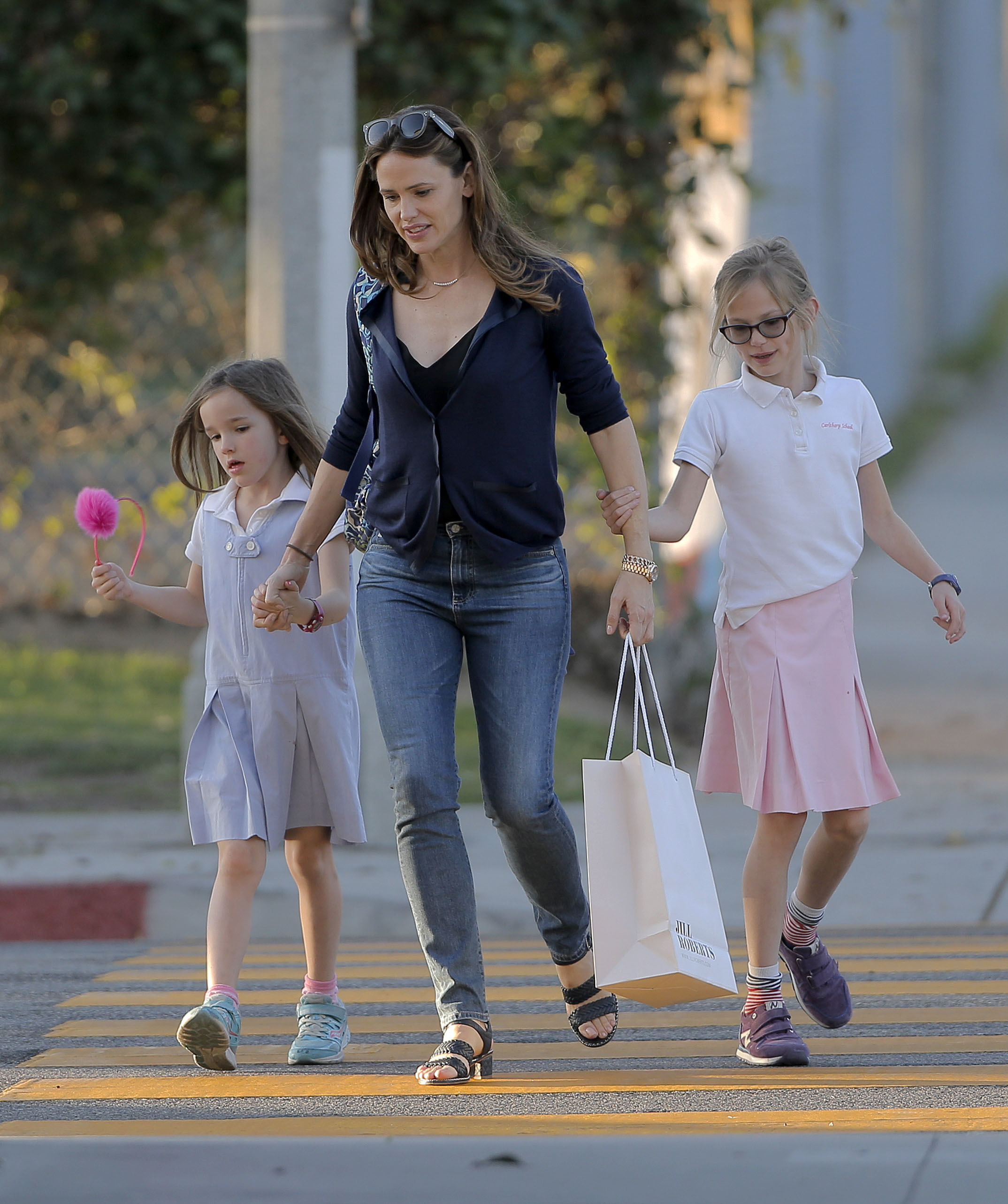 Jennifer Garner advises Seth Meyers parenting is a 'struggle'