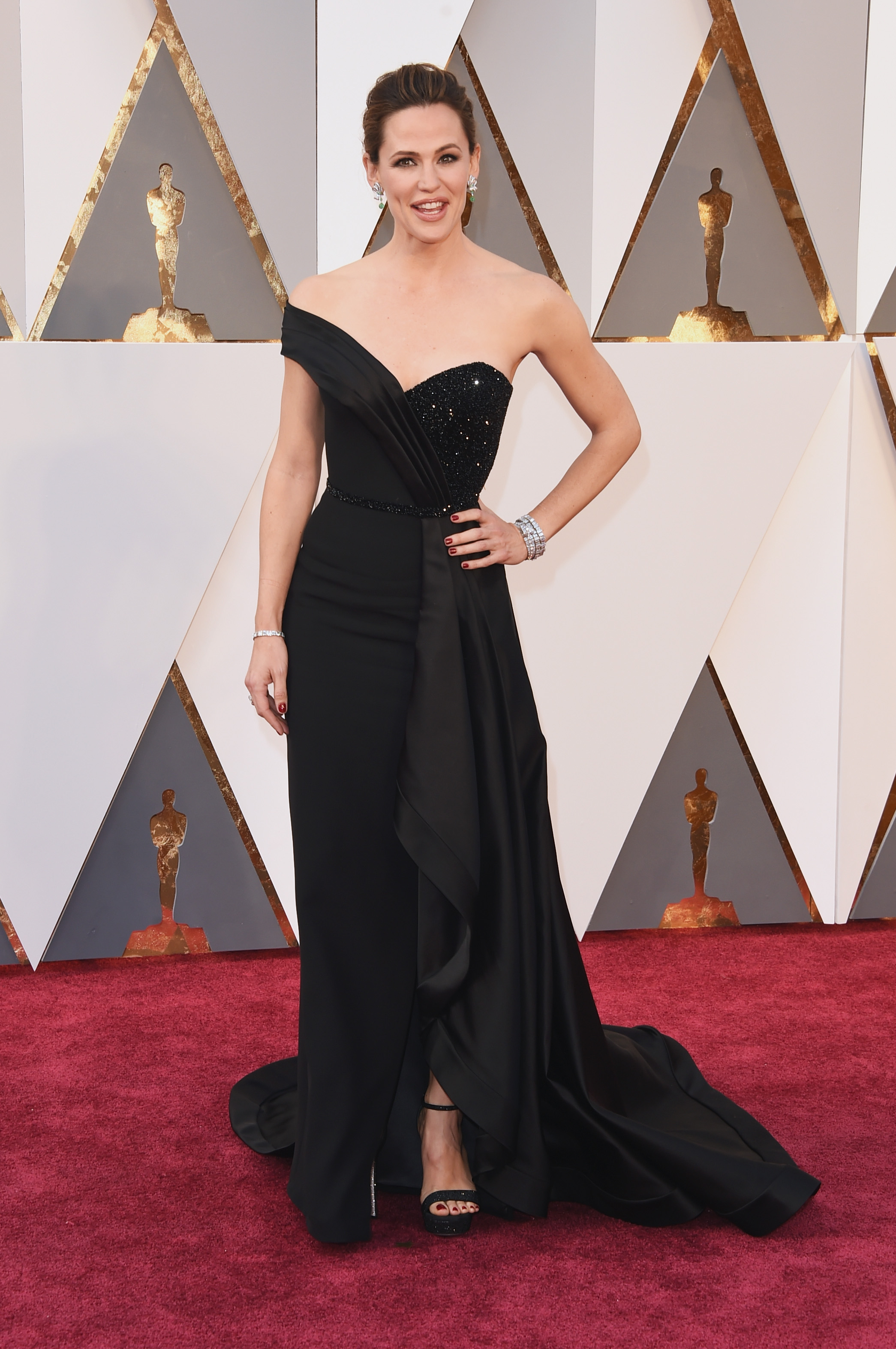 Jennifer Garner's Oscar dress involved a corset bathroom nightmare