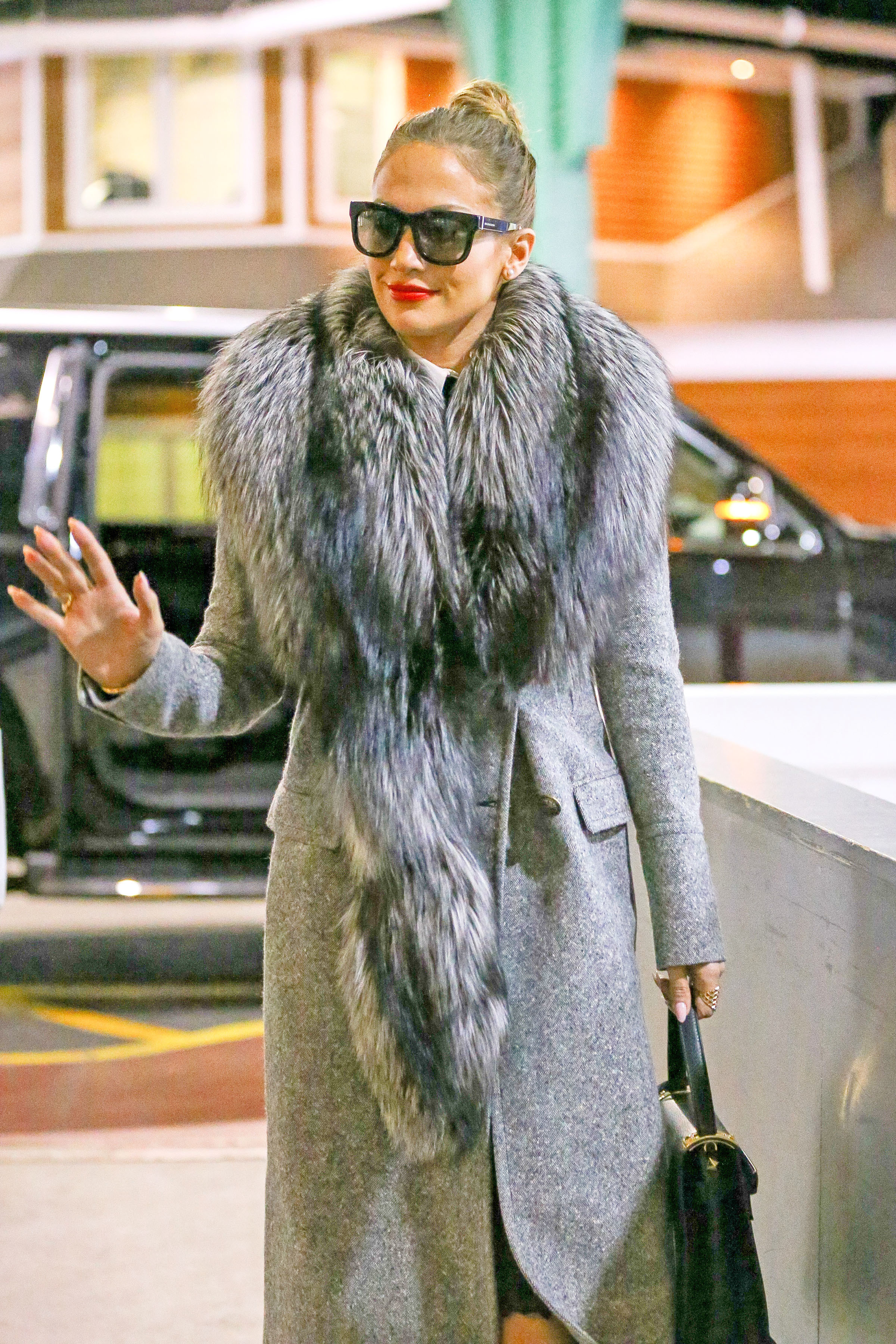 Jennifer Lopez goes shopping in Moscow after $5M show