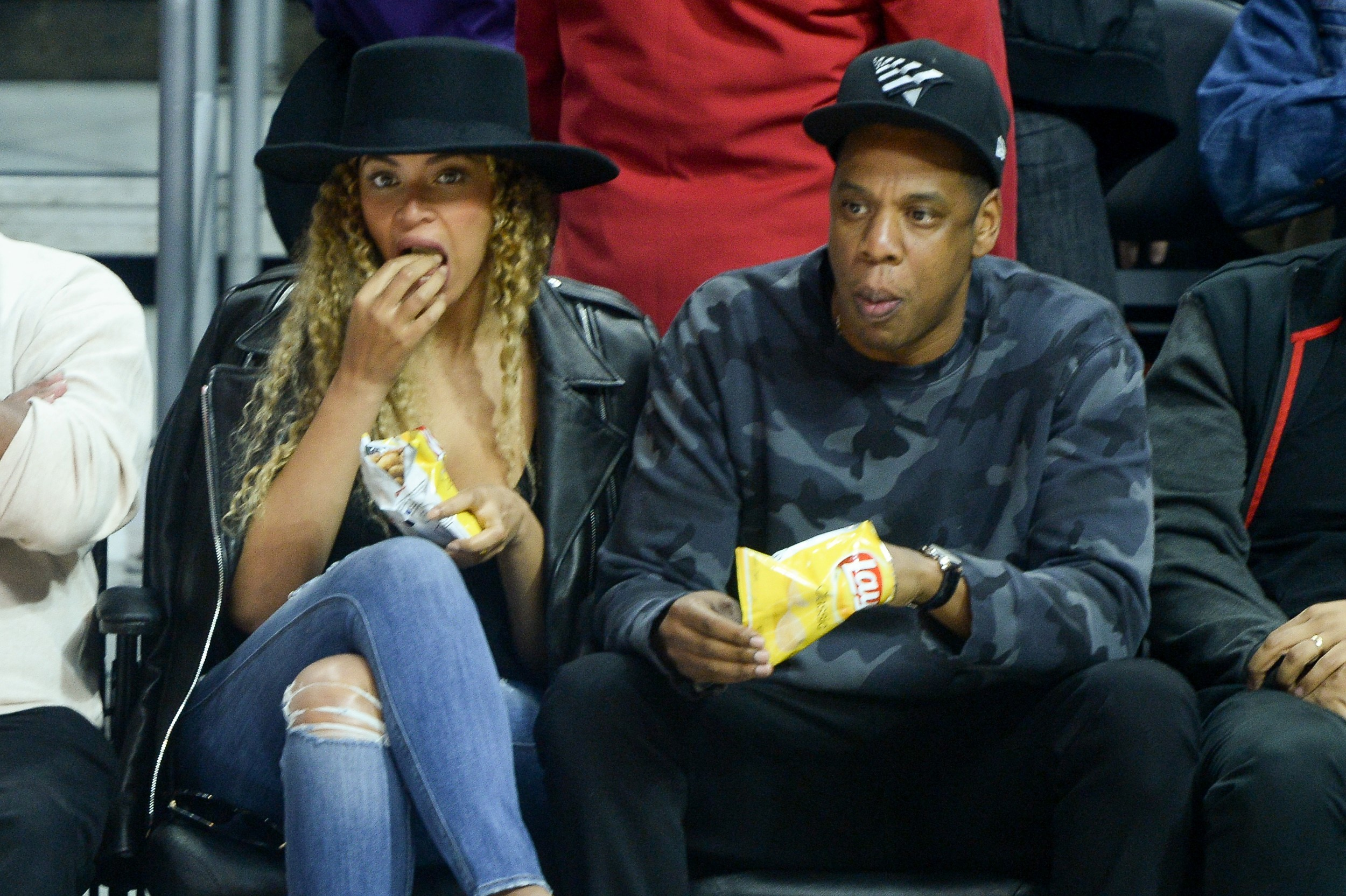 Bey and Jay enjoy a hoops date