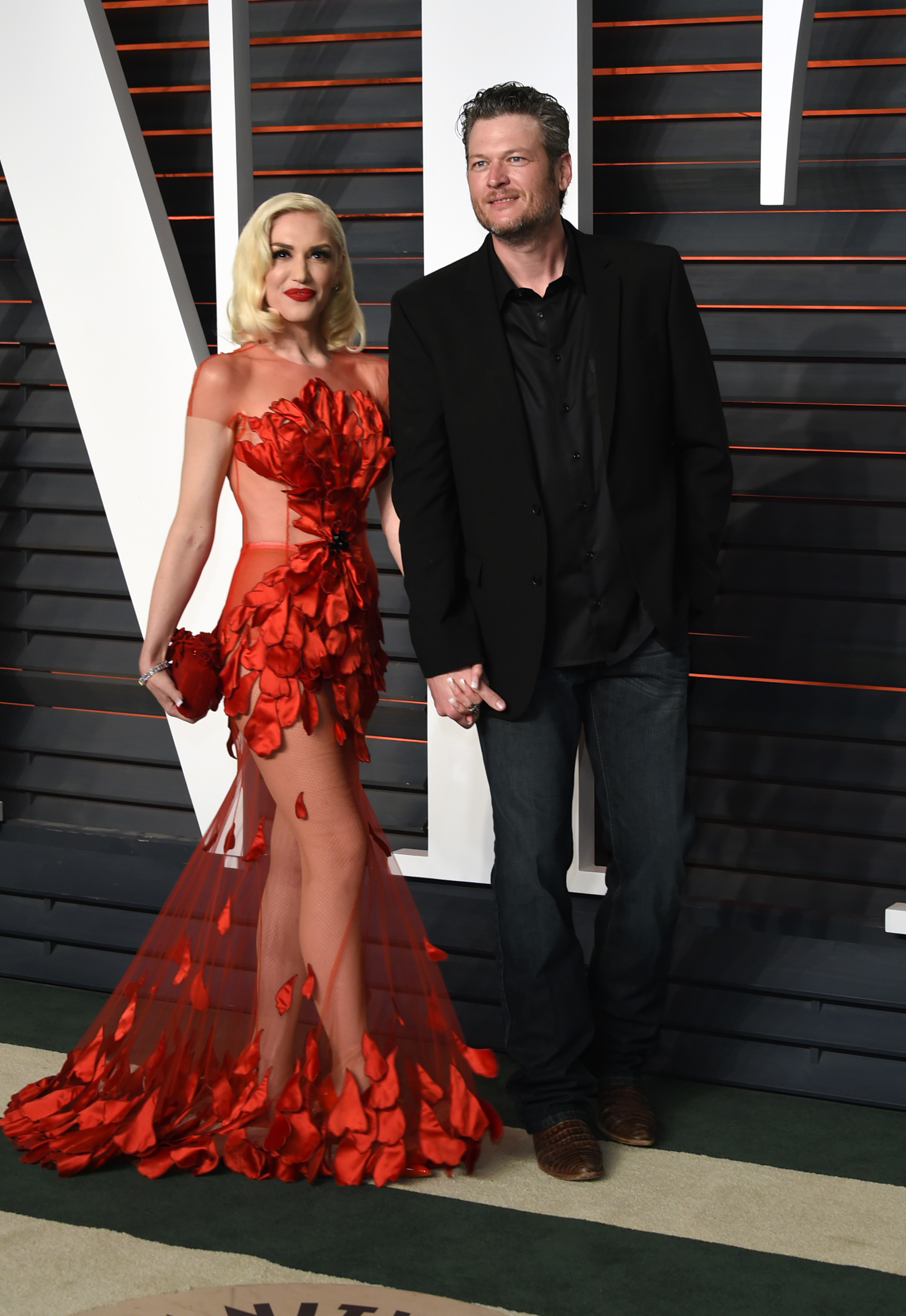 Blake Shelton wishes Gwen Stefani a happy birthday