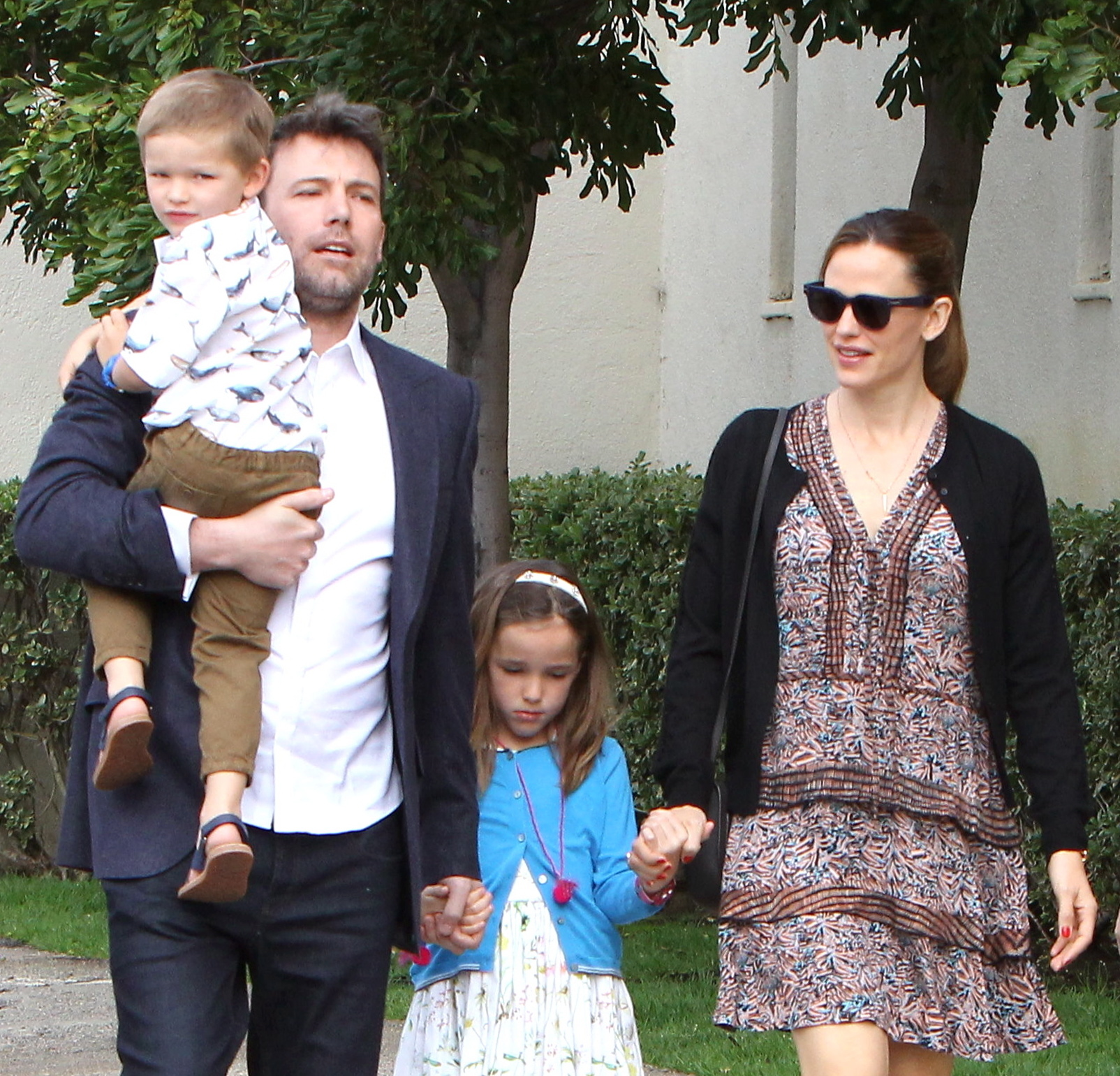 ben affleck, jennifer garner, kids easter