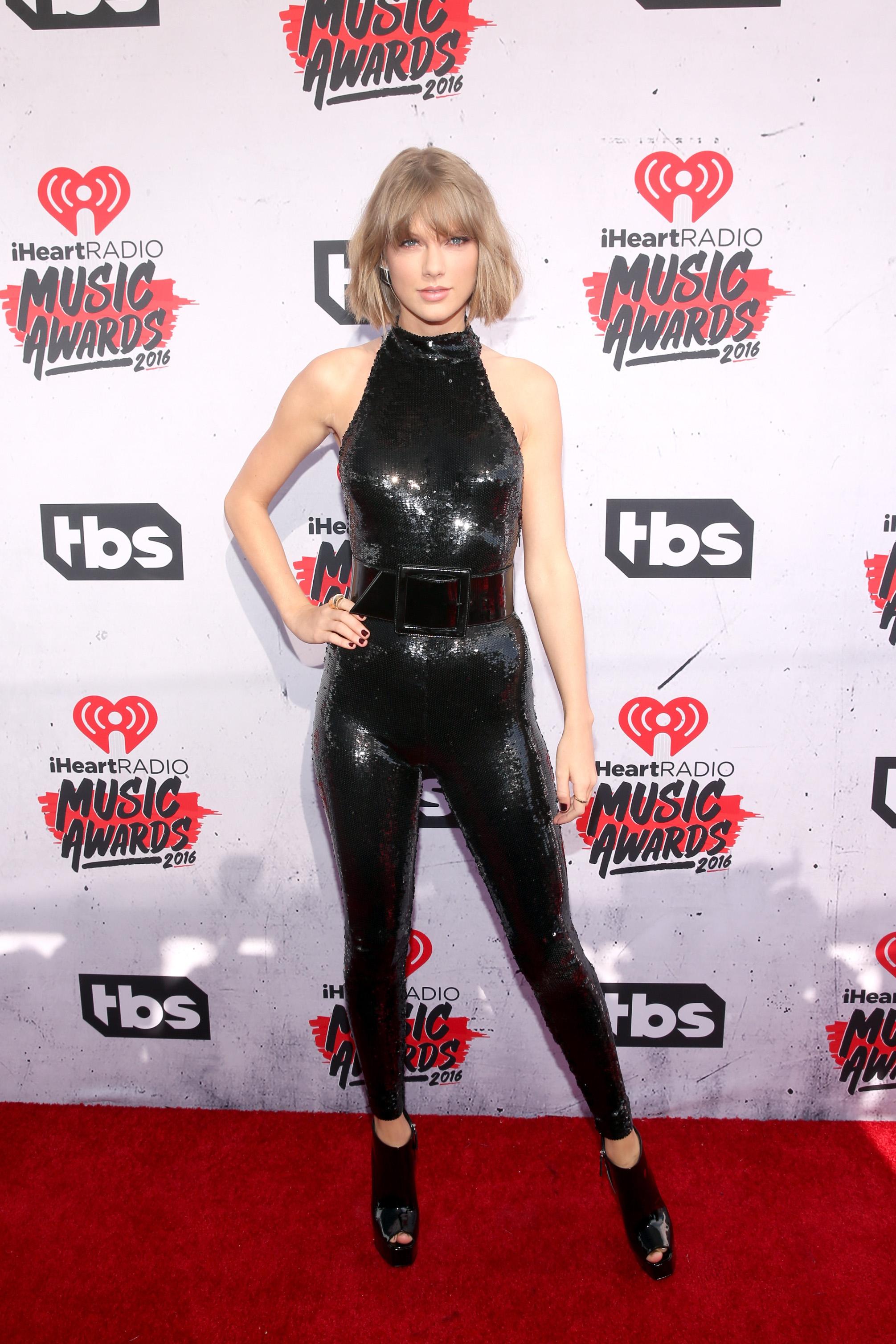 Taylor Swift starts renovations on $25M mansion