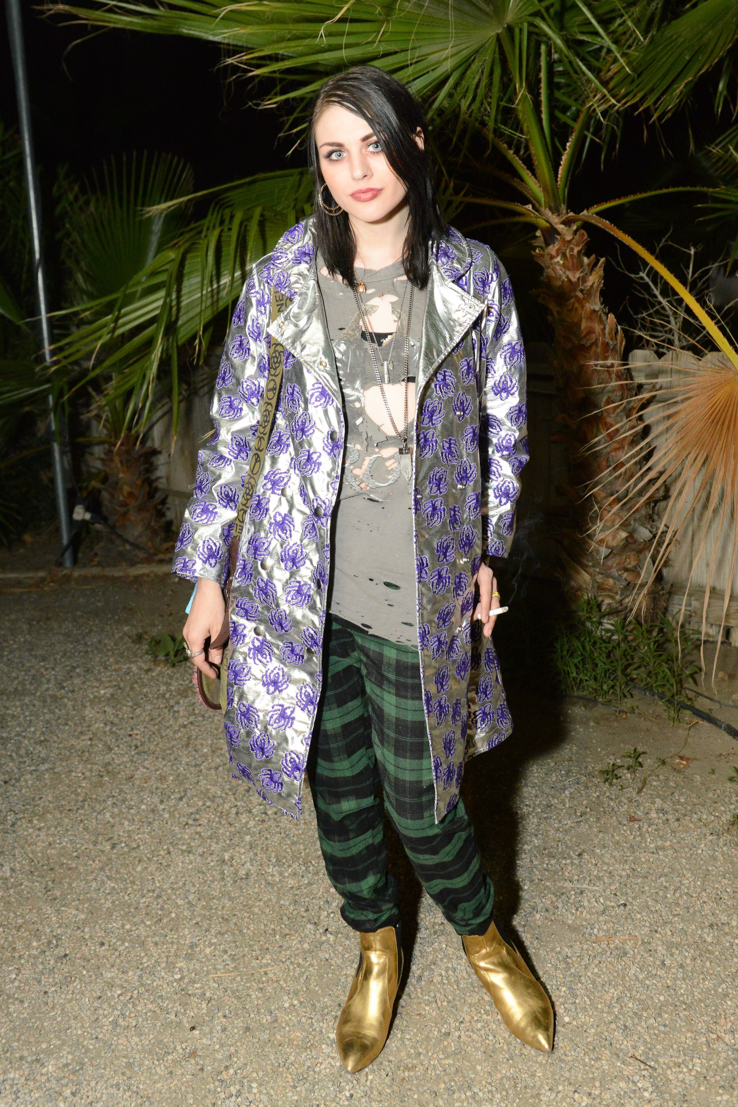 Frances Bean Cobain shares moving note for Kurt Cobain on his birthday
