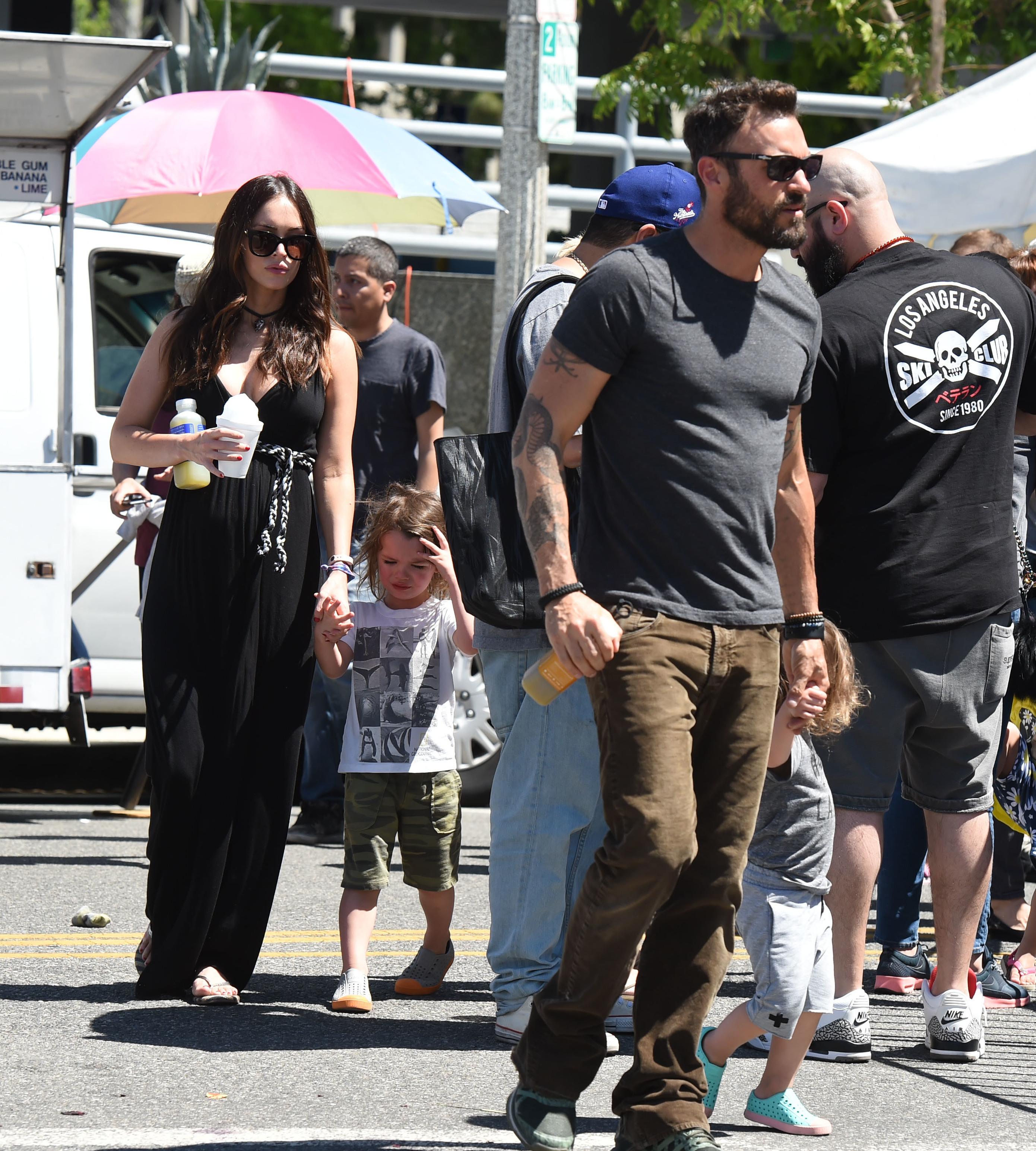 Megan Fox and Brian Austin Green look cozy, romantic on Hawaiian babymoon