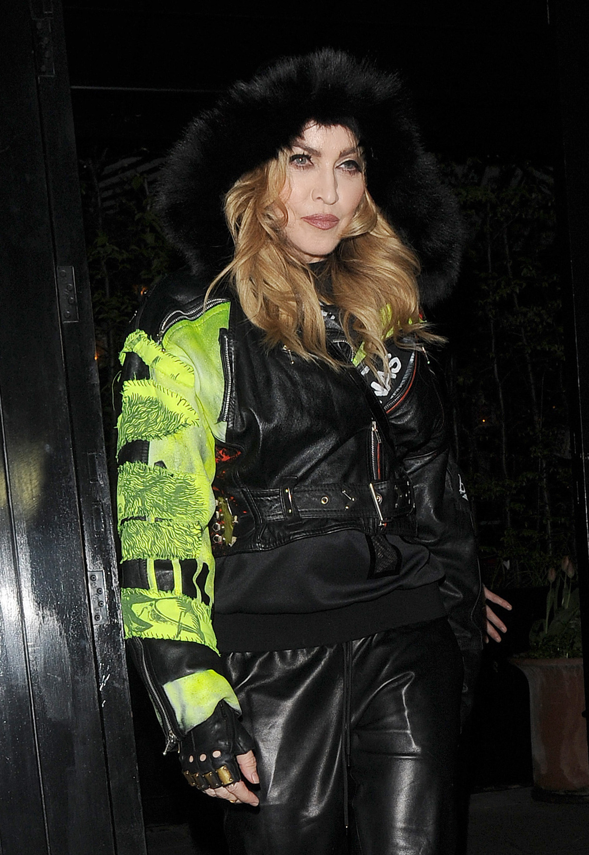 Madonna removes illegal 'no parking' signs