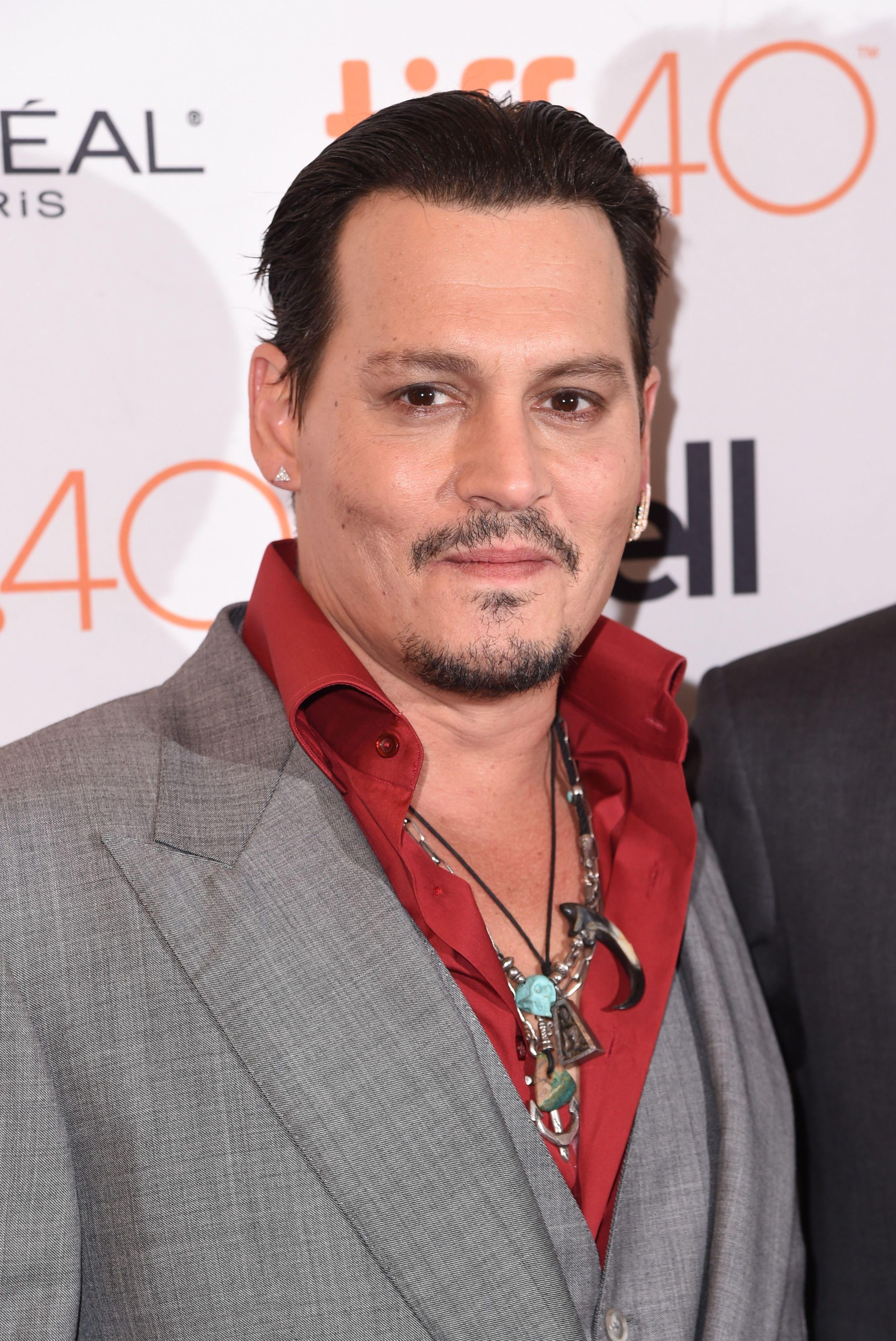 Johnny Depp | Bio | Wonderwall.com