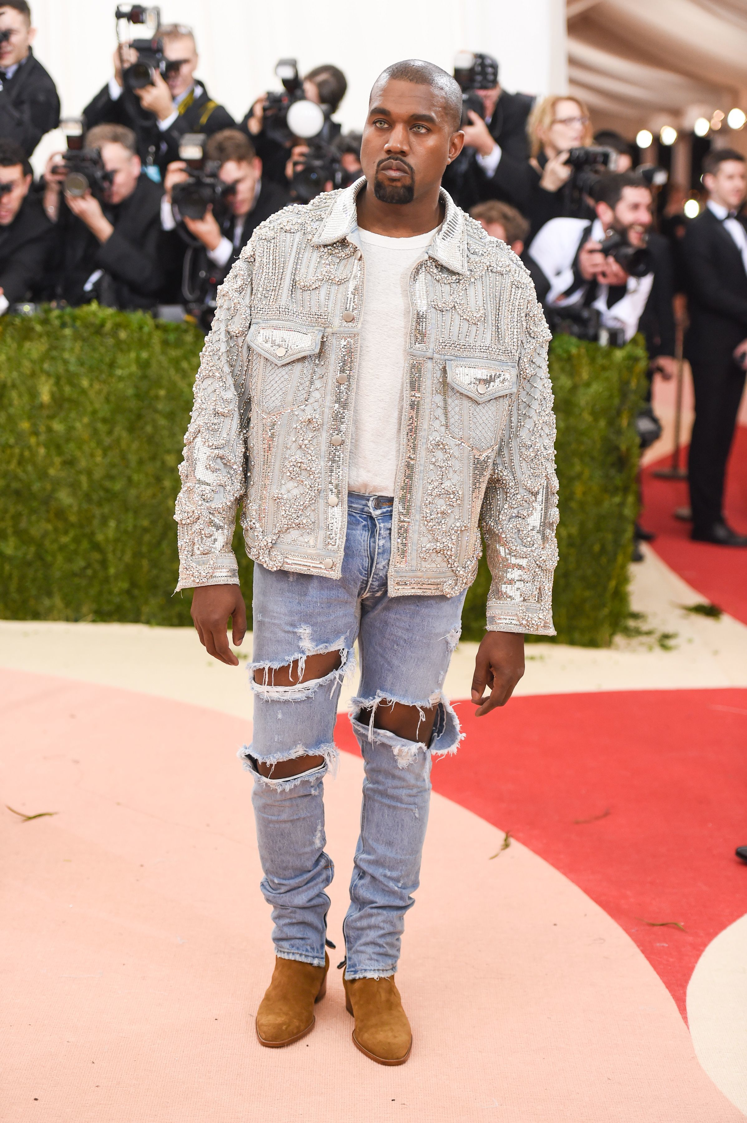 Kanye West dropped nearly $1M on wax figures for his 'Famous' video, plus more news