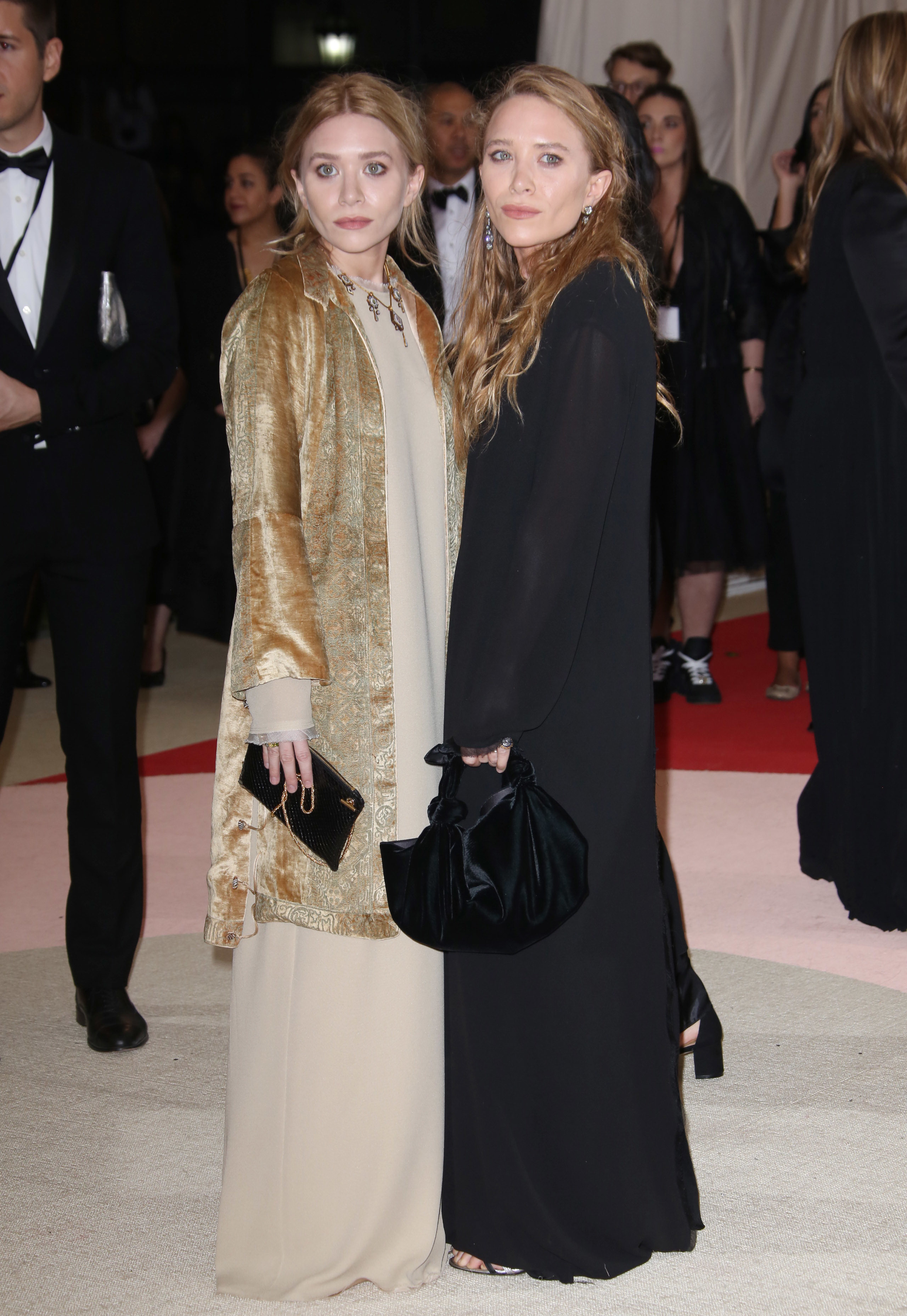 Welcome to 2016! In which the Olsen twins have never shopped online