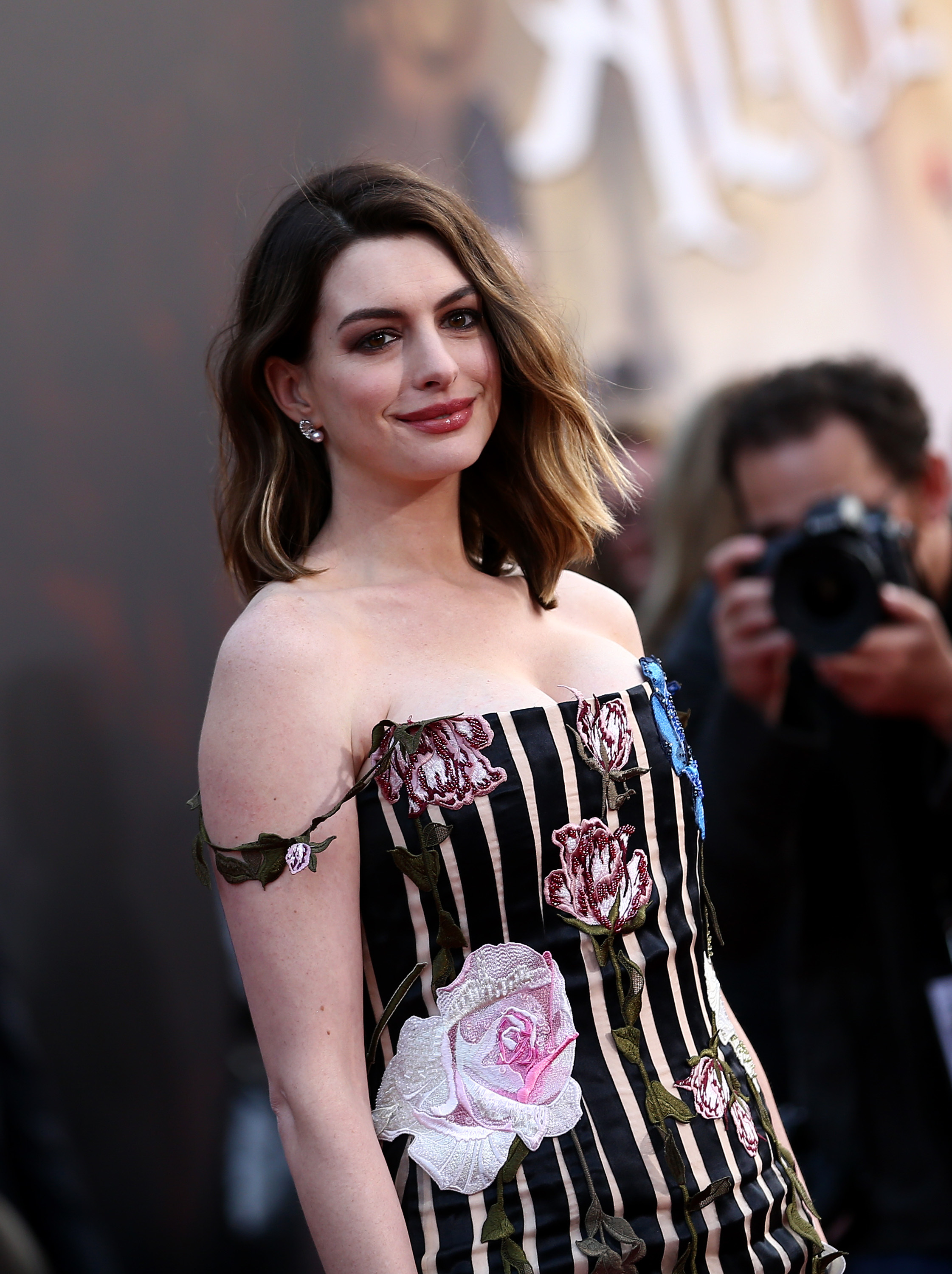 Anne Hathaway went back to the gym after giving birth; it did not go well