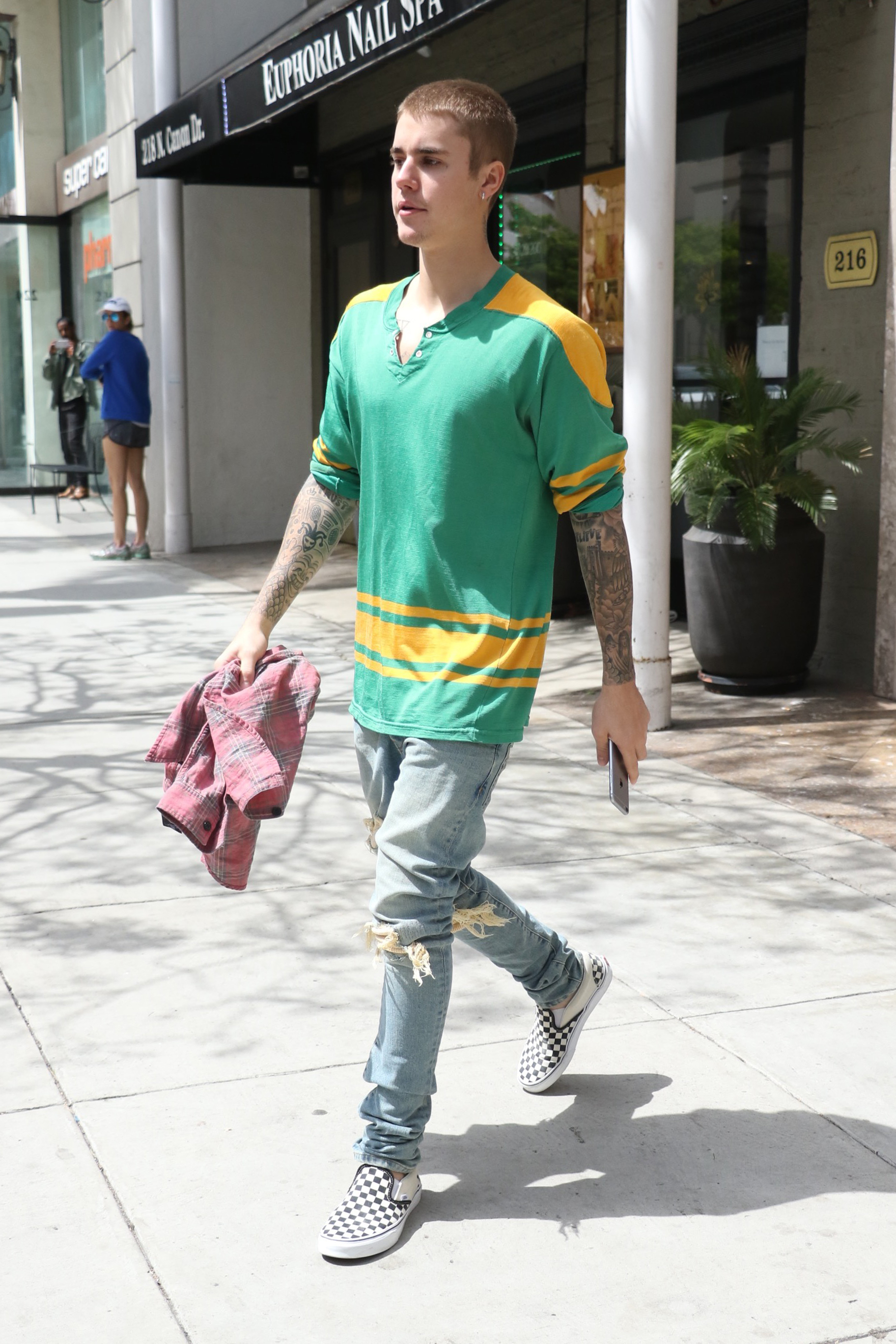 Justin Bieber wants ex neighbors to undergo mental health evals