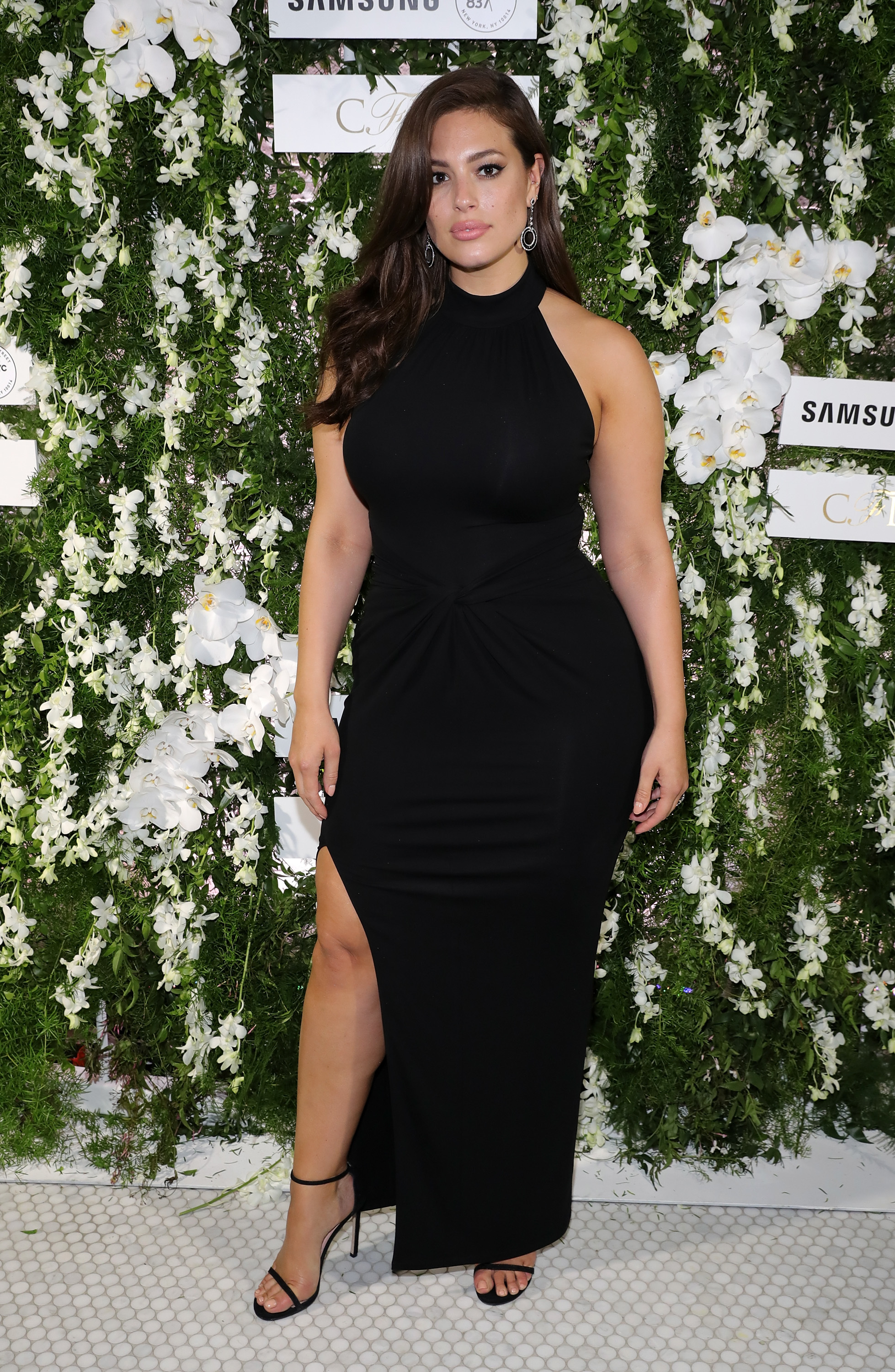 Ashley Graham: 'Let's worry about our own bodies'