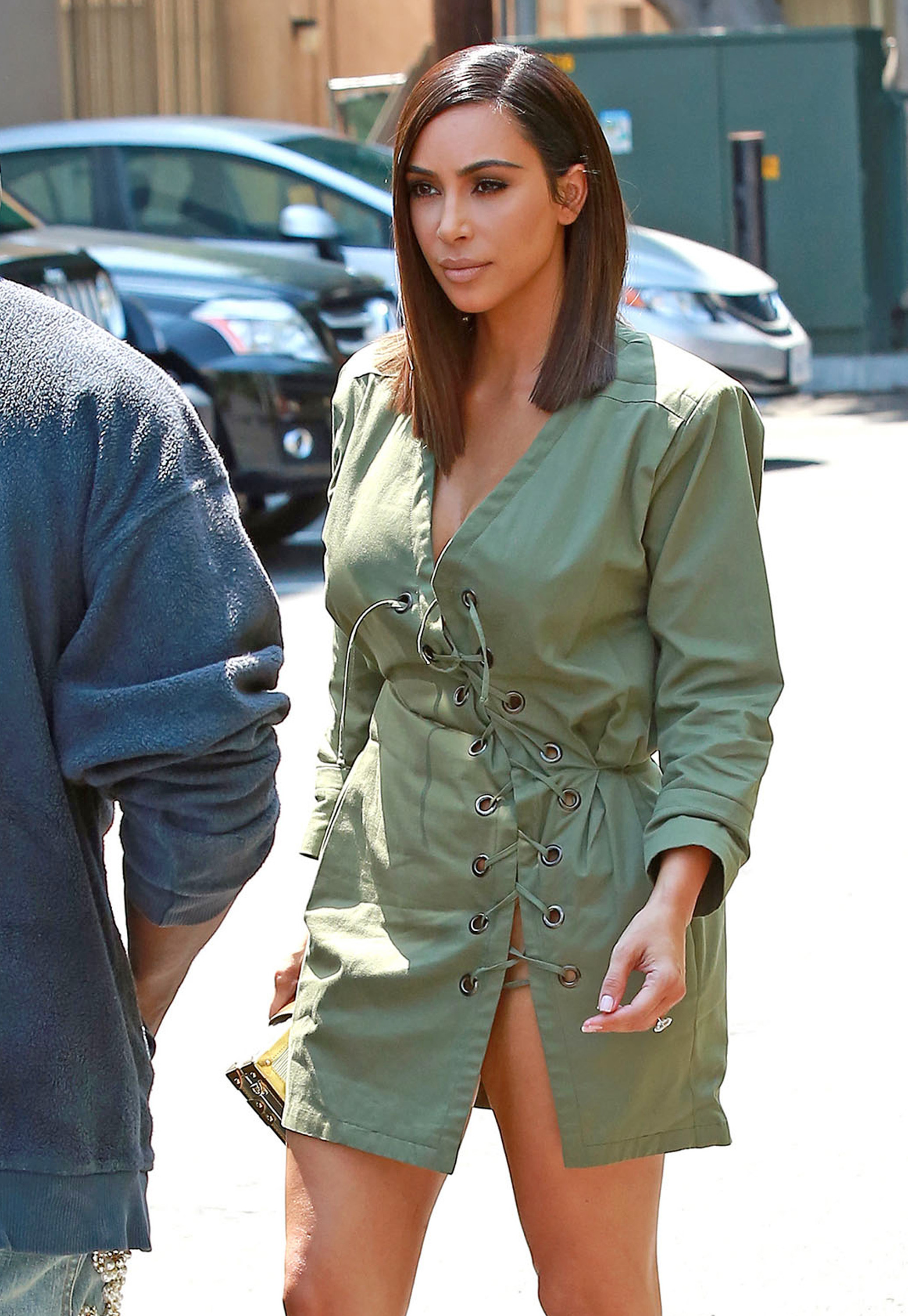 Kim Kardashian shows off a new look