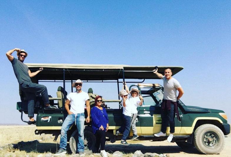 Ricky Martin hits Africa for family safari