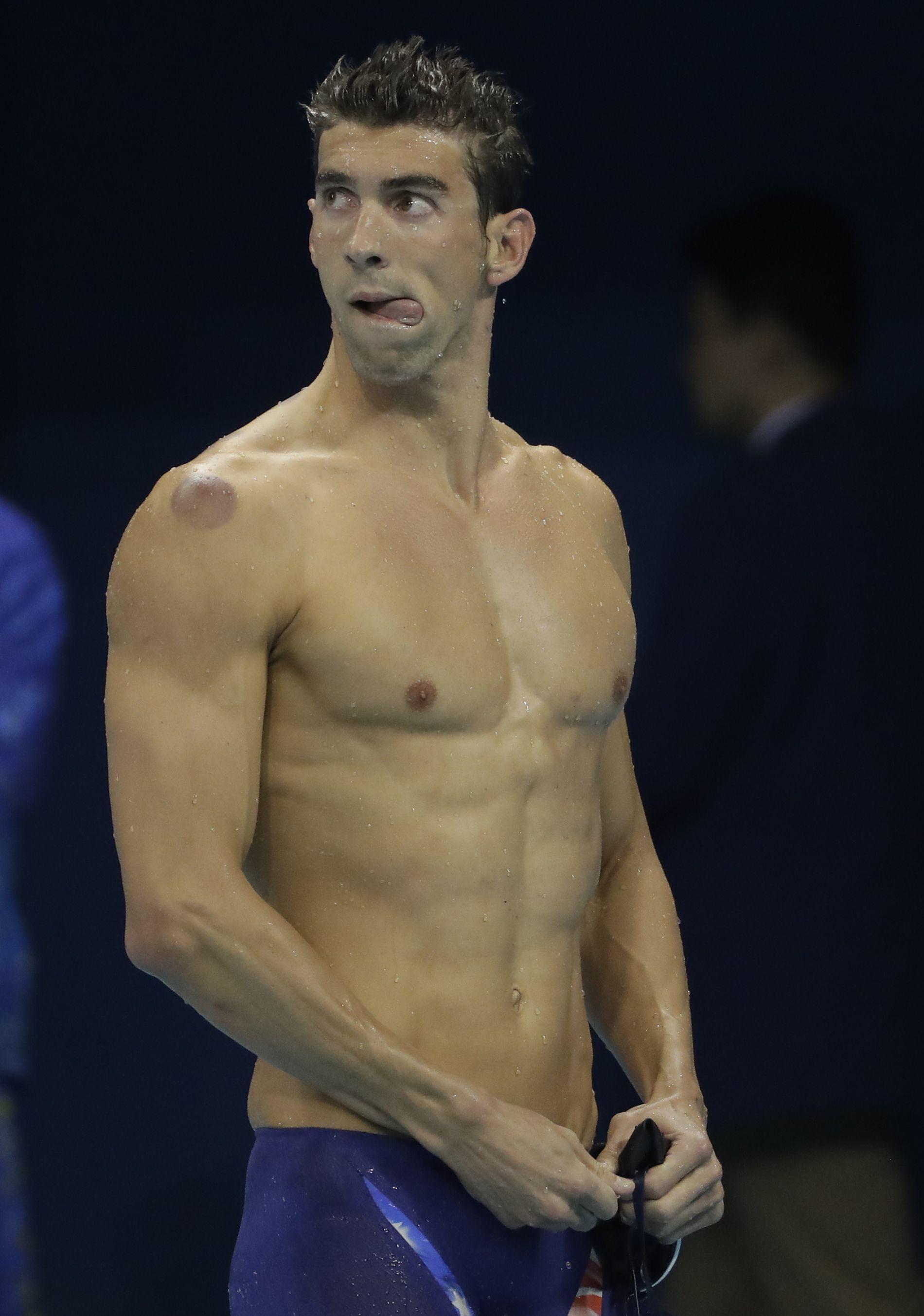 Richard Madden and Olympic Look-Alike Gus Kenworthy ...