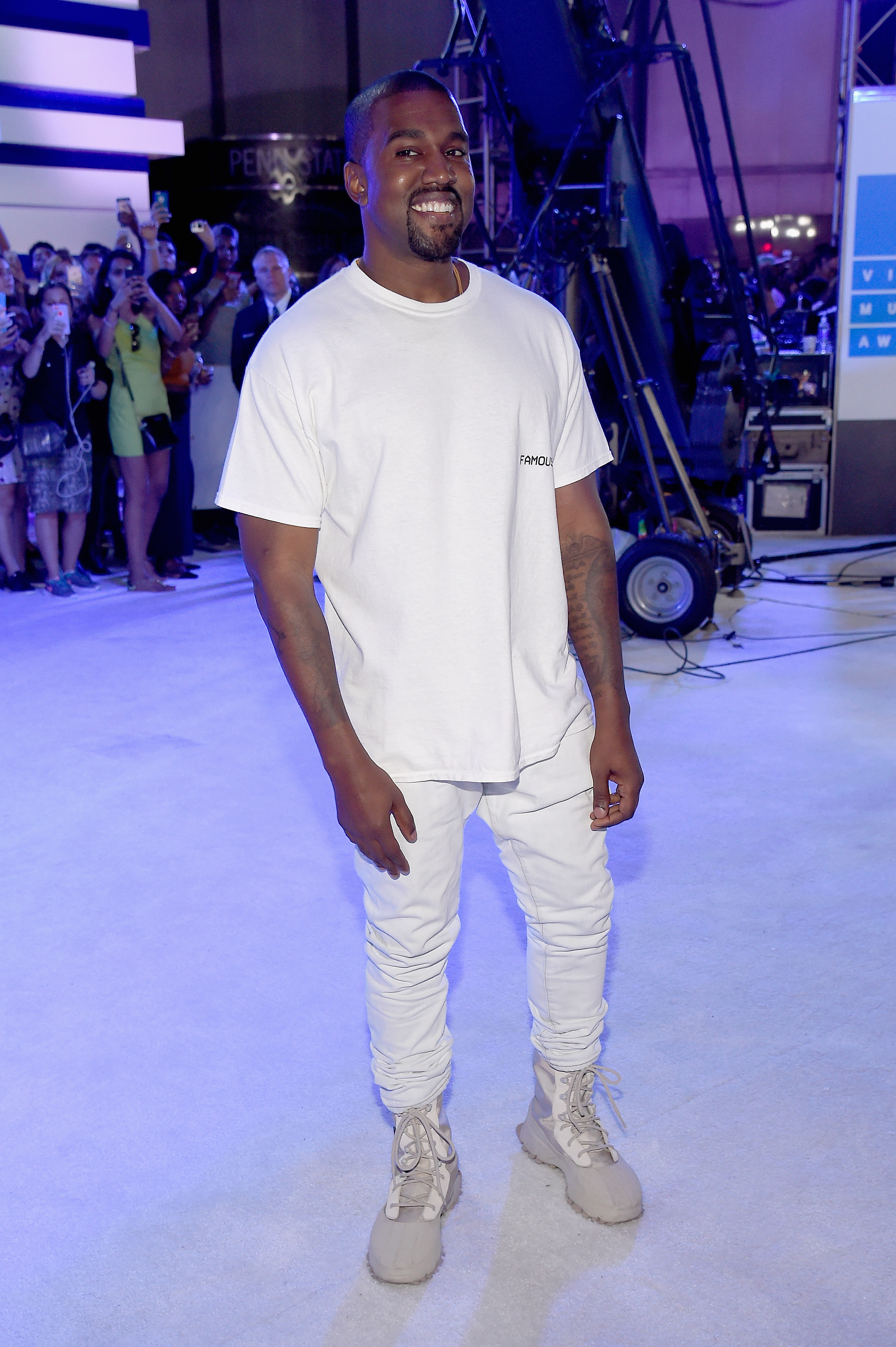 Fans urge Kanye West to run in 2020