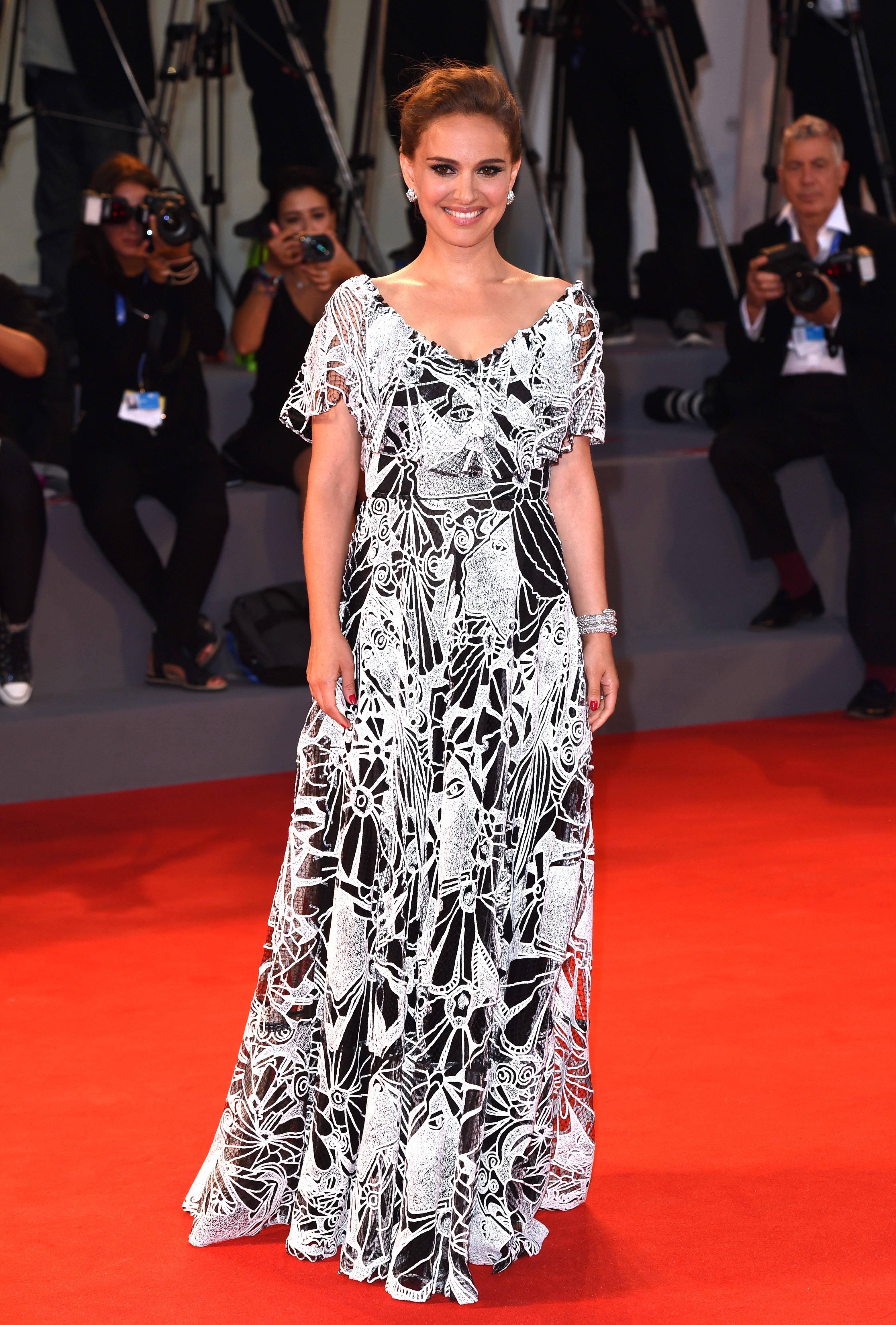 Natalie Portman Bio Wonderwall Com