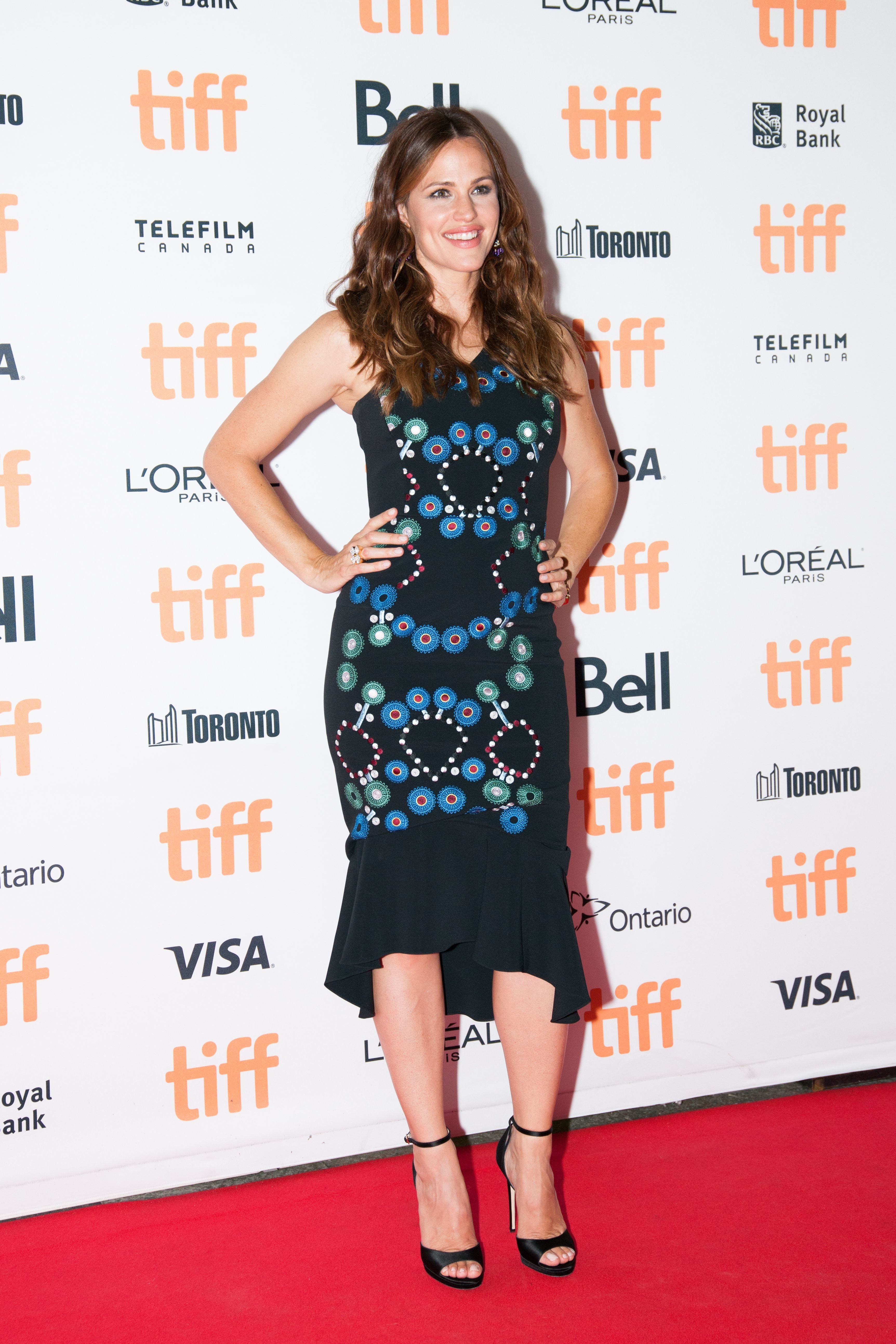 Jennifer Garner heads to Nevada for Hillary Clinton