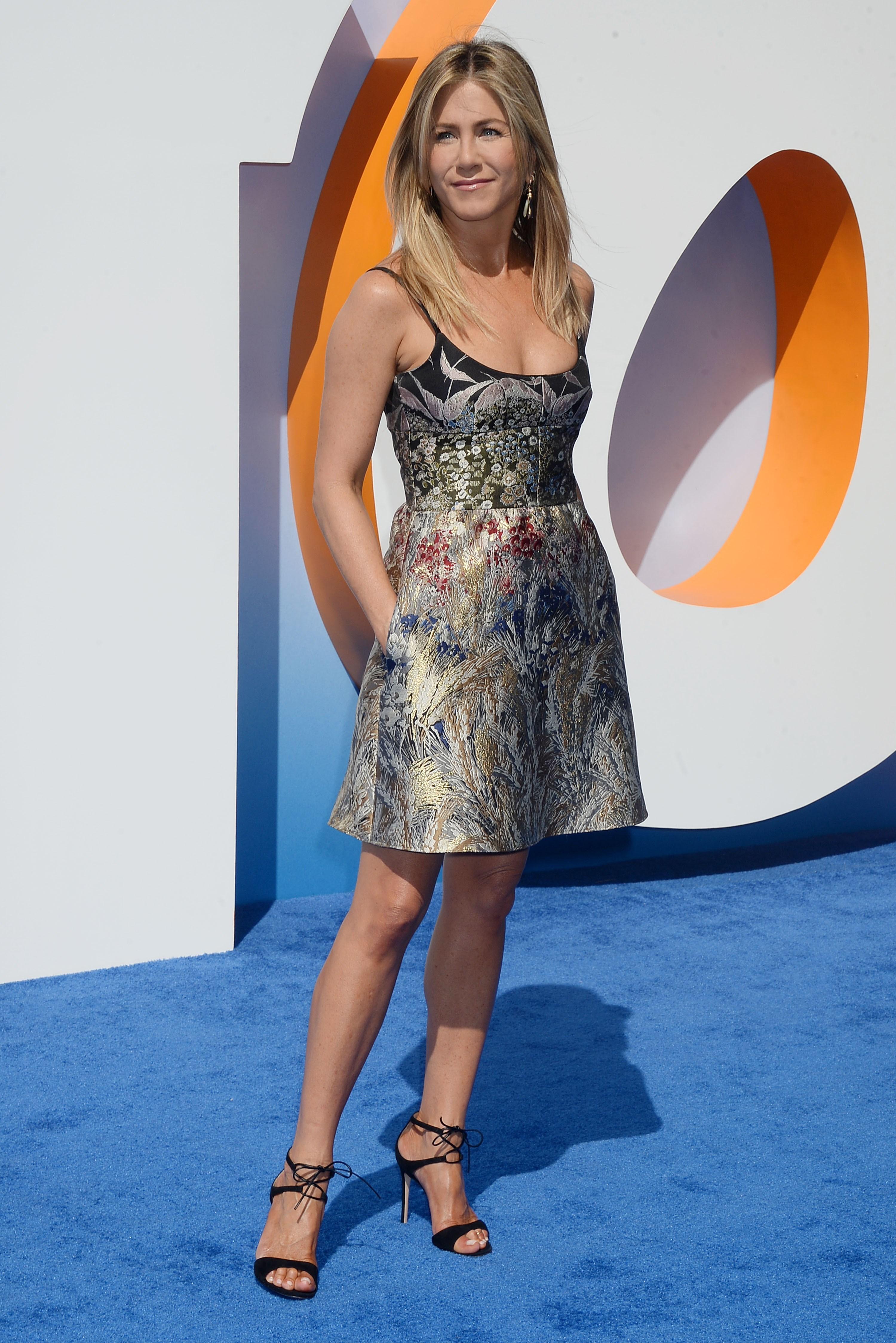 Adoption rumor No. 5 million hits Jennifer Aniston
