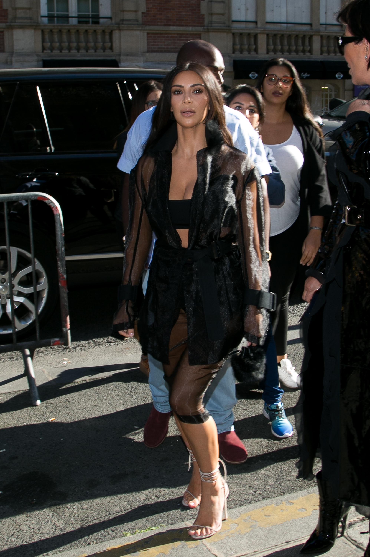kim kardashian paris fashion week