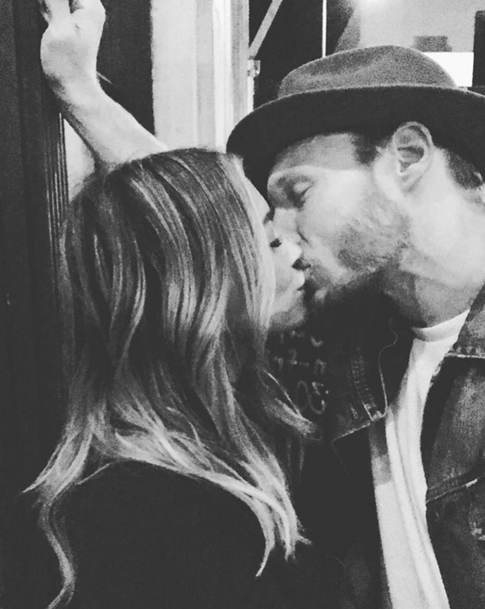 hilary duff kiss