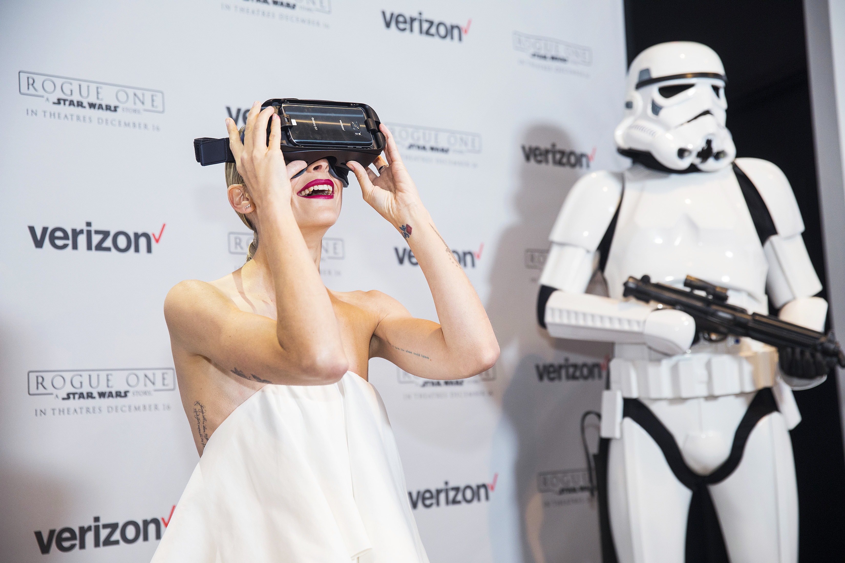 "Jaime King on Verizon's ""Rogue One: Recon   A Star Wars 360 Experience"":"