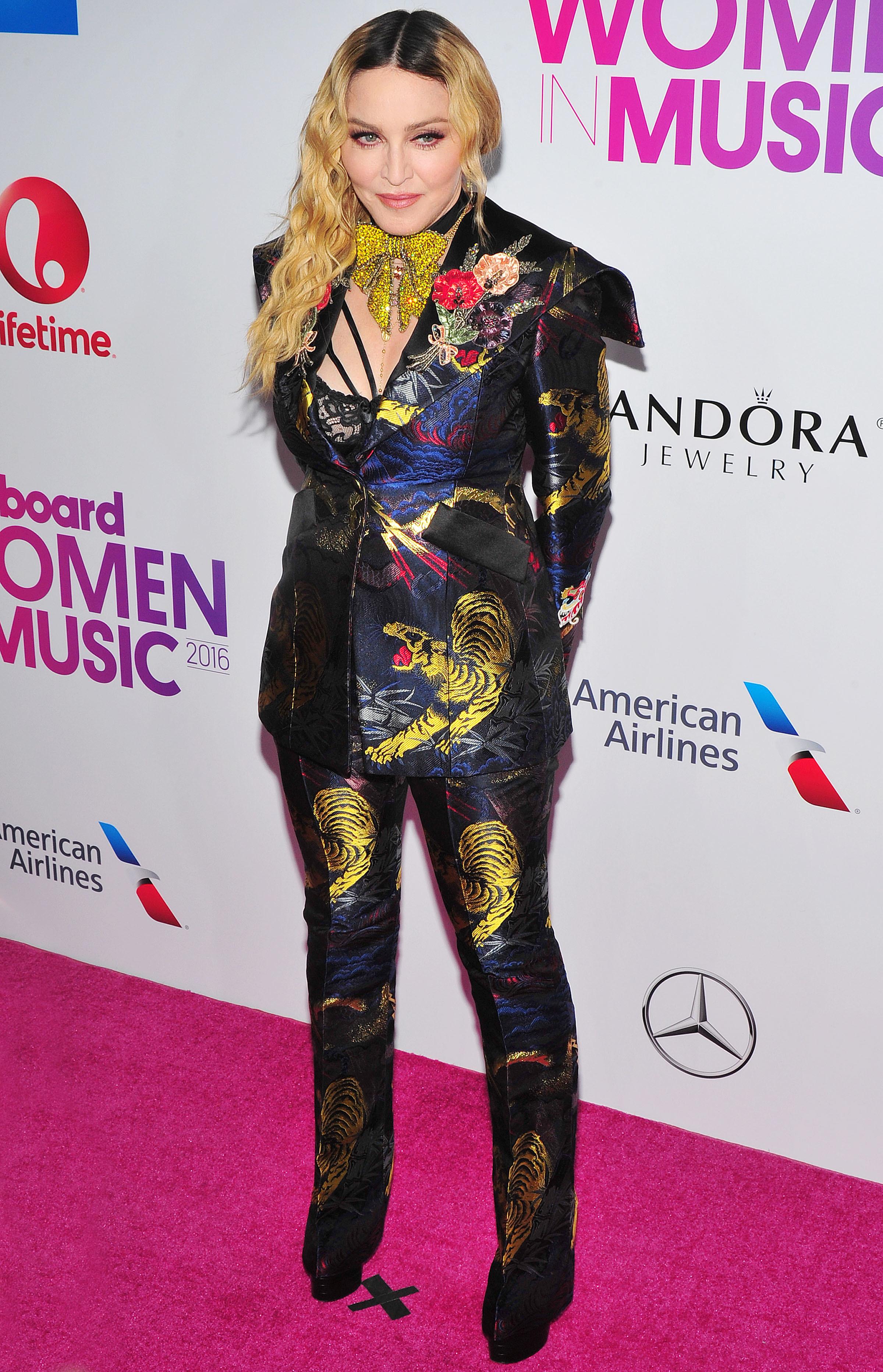 Madonna dismisses adoption rumors in Malawi
