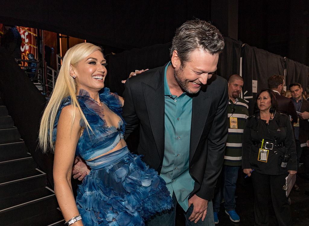 Blake Shelton calls Gwen Stefani the PCAs' 'hottest date'